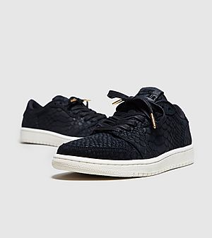 jordan 1 retro low no swoosh womens