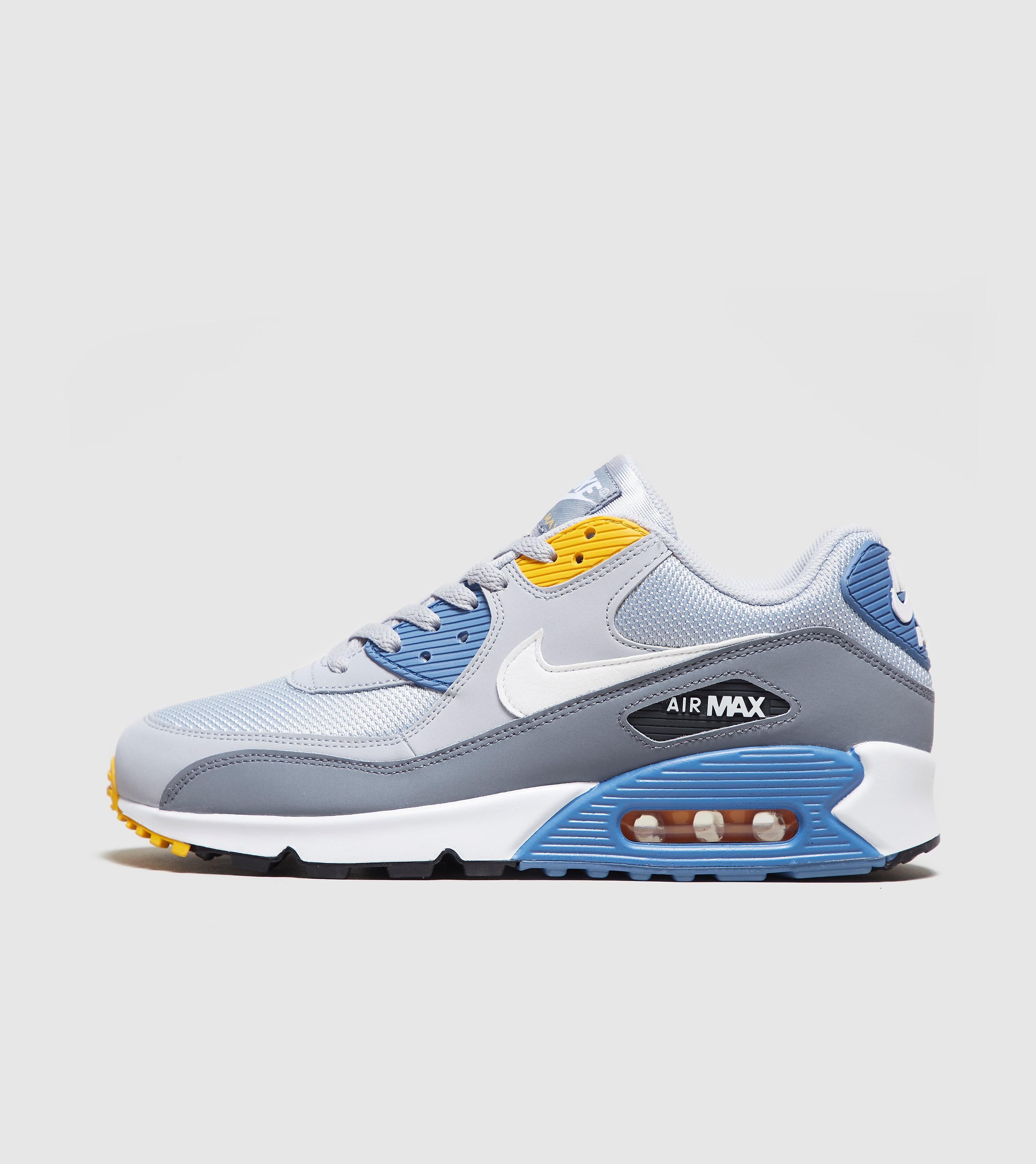 e5005a53b249e5 Nike - London Trend