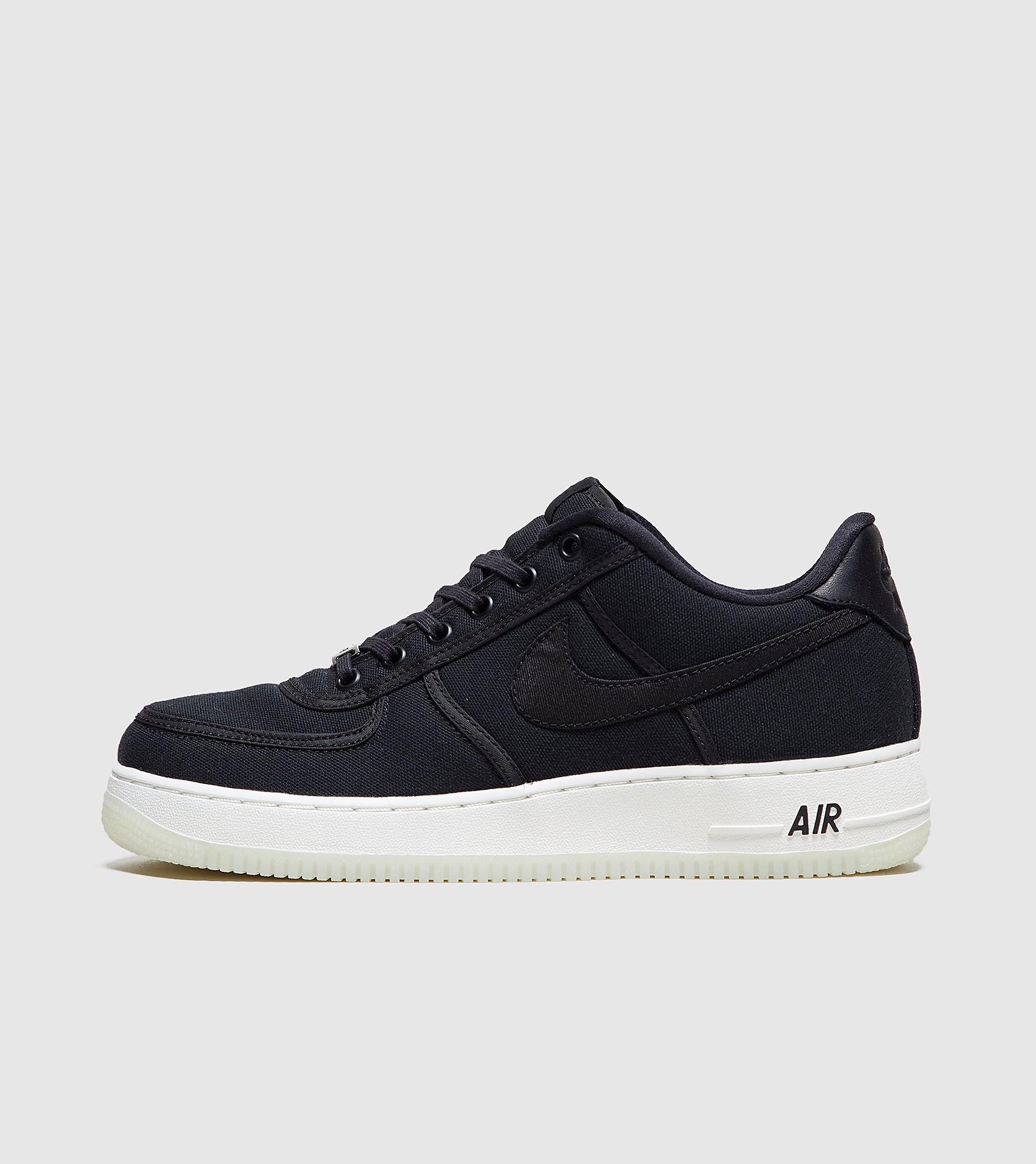 4cb0abb132d0 Nike - London Trend