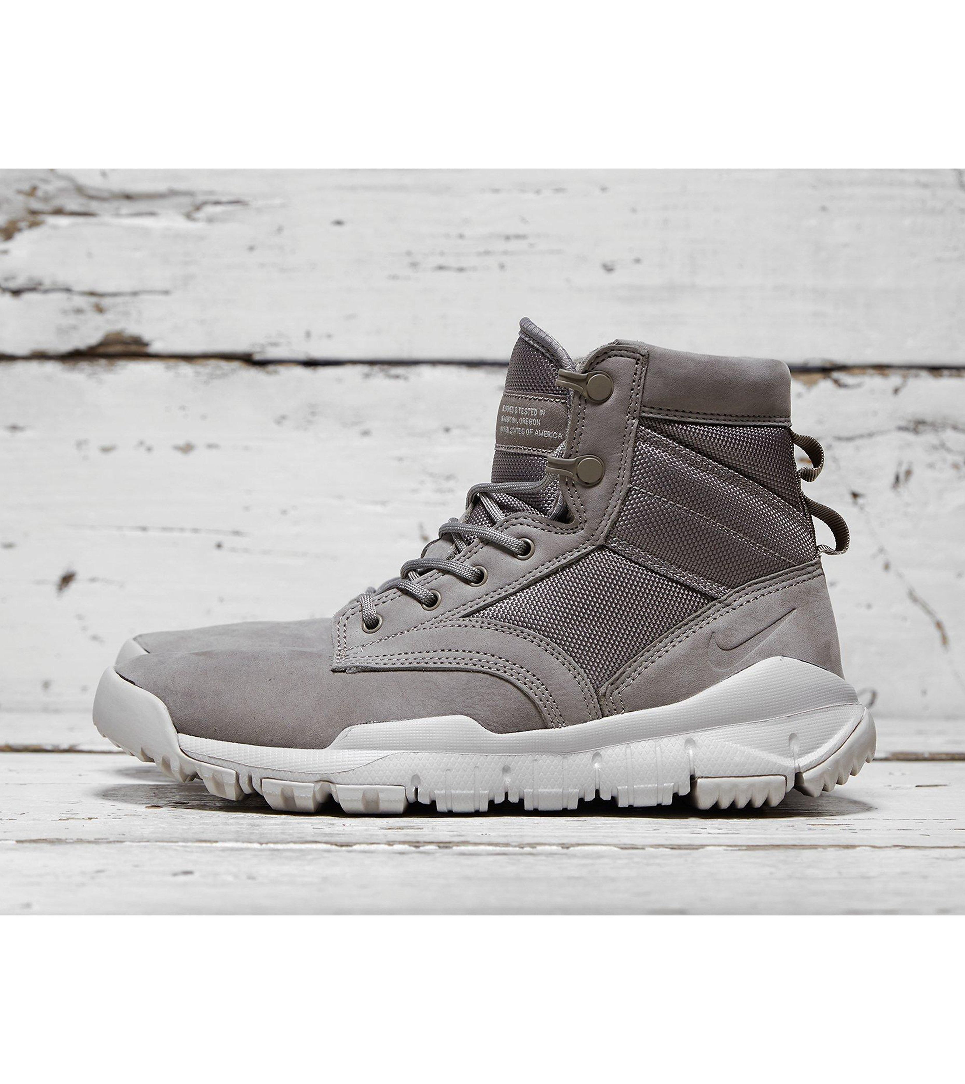 """Nike Special Field Boot 6"""" Leather Women's"""