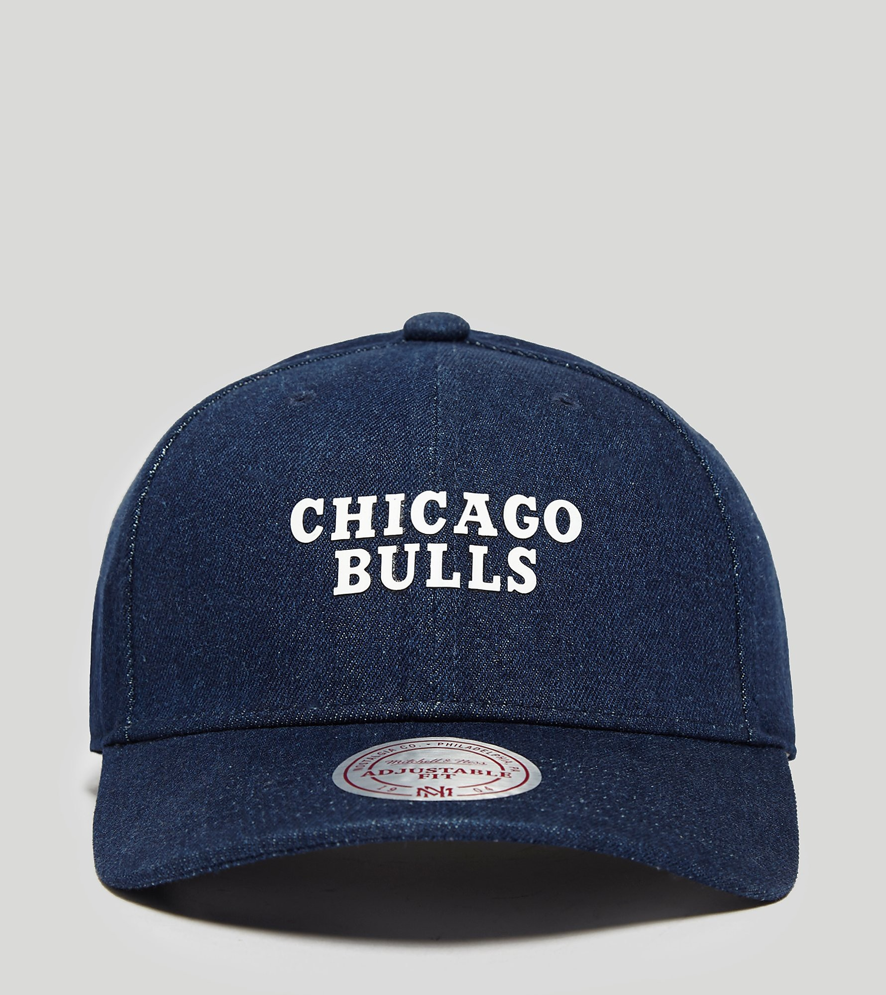 Mitchell & Ness Denim Curved Bulls Strapback Cap