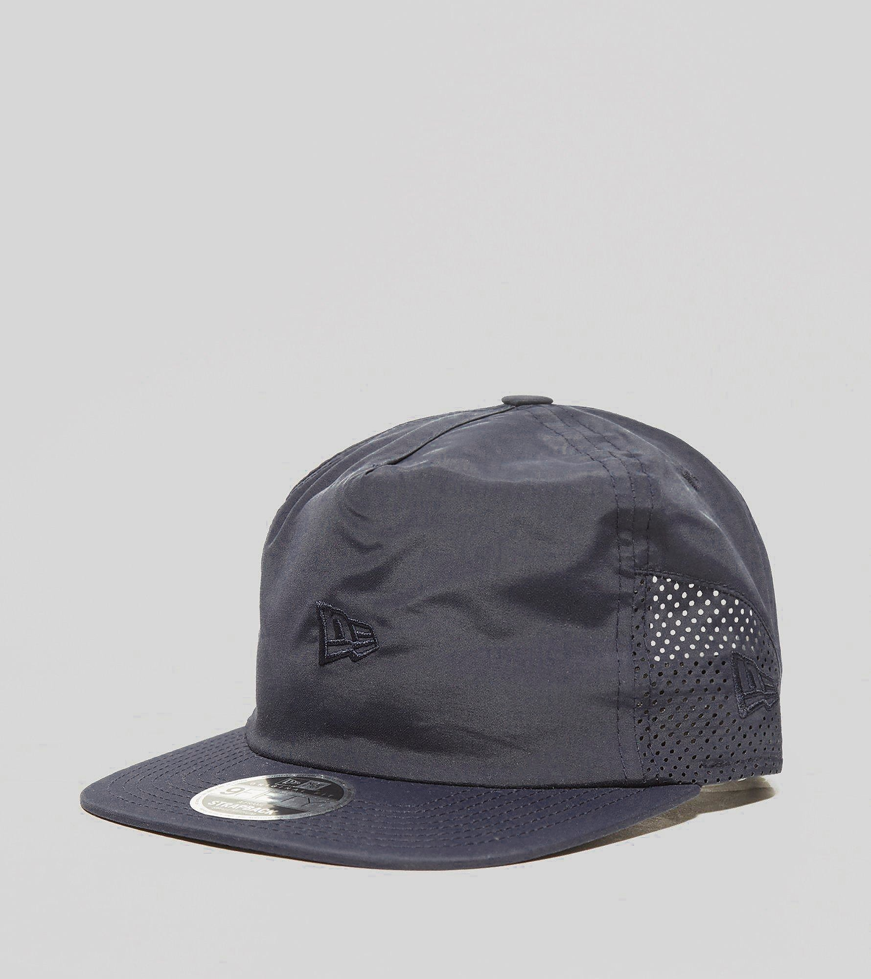 New Era 9FIFTY Toggle Cap - size? Exclusive