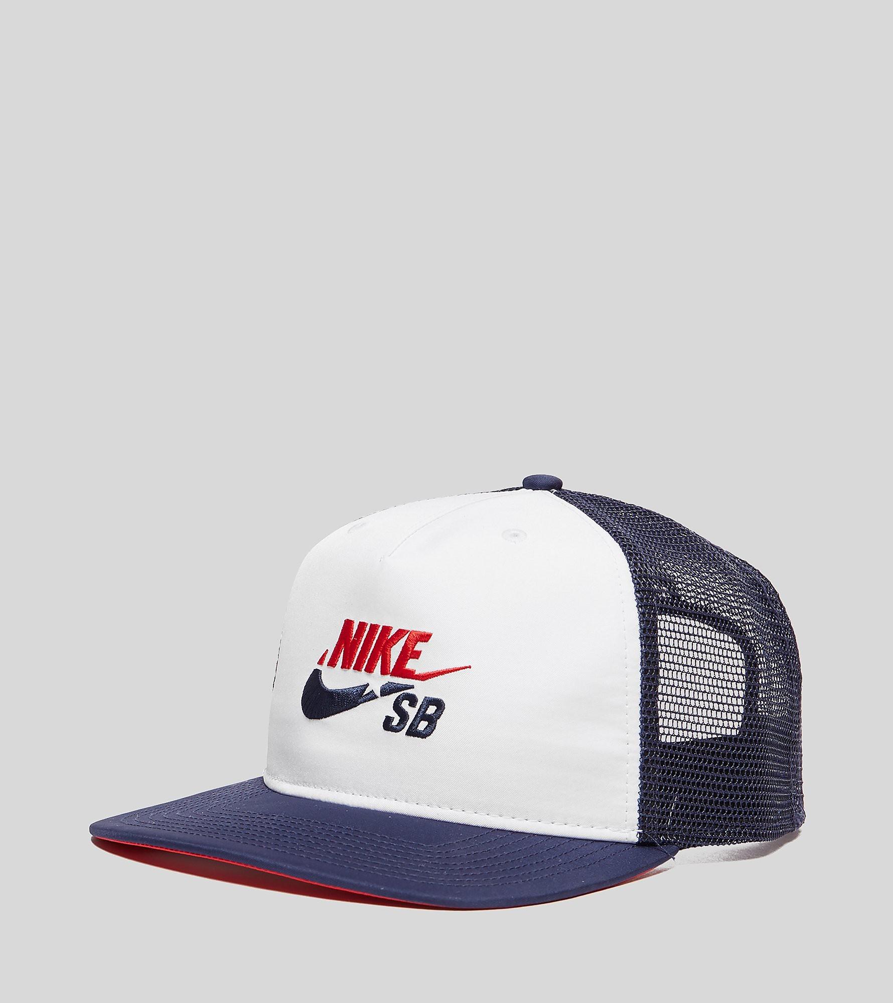 Nike SB Star Trucker Cap