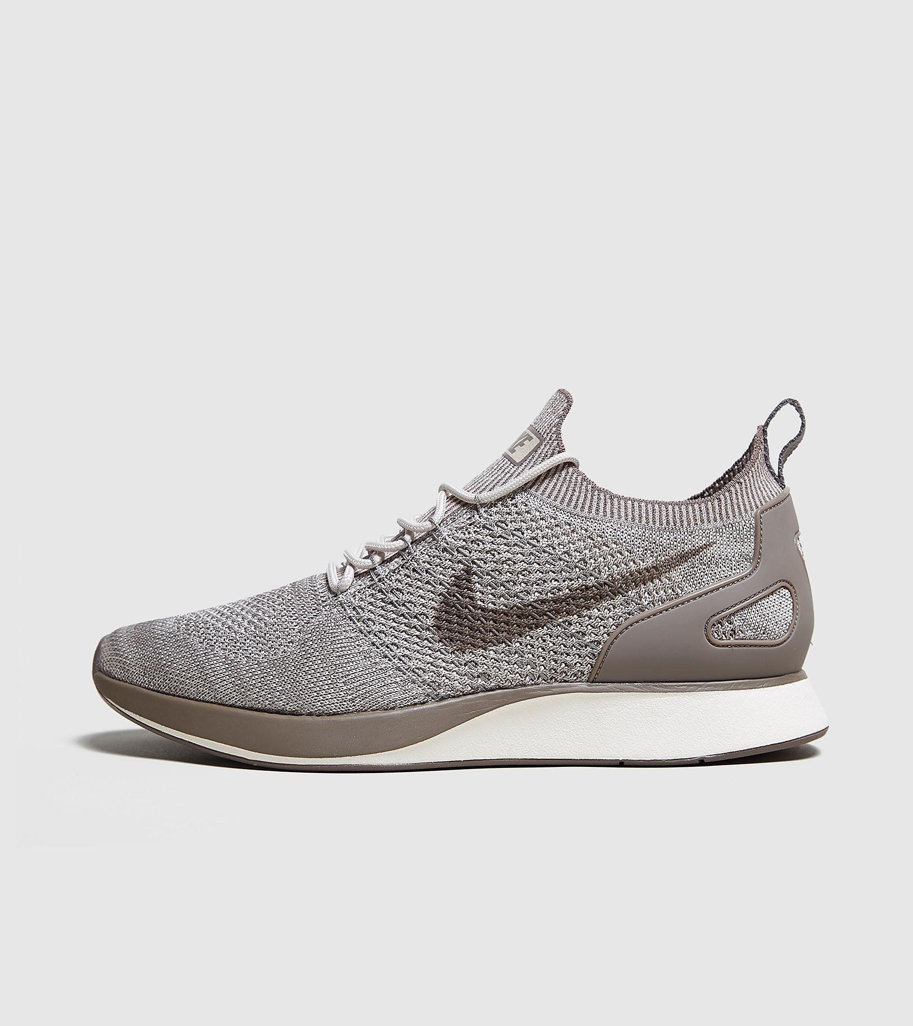 Nike Mariah Flyknit Racer