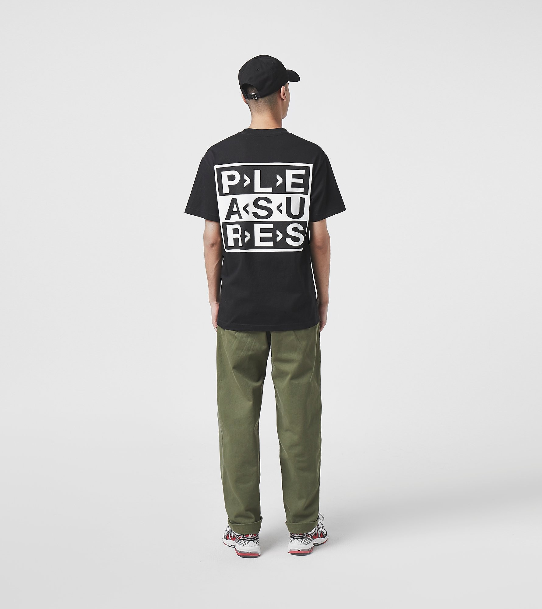 PLEASURES T-Shirt Fragile, Noir