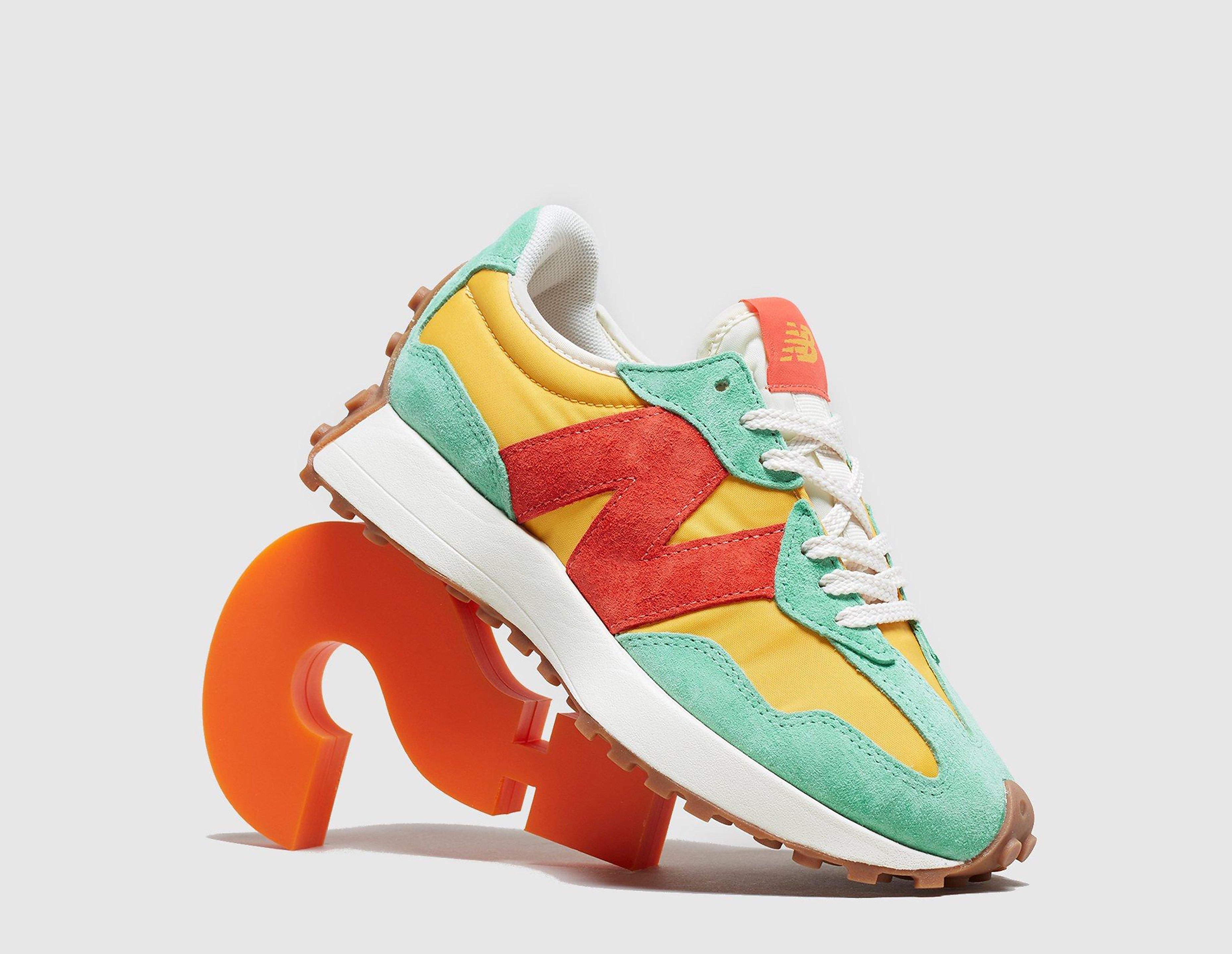 New Balance 327 Women's - size? Exclusive