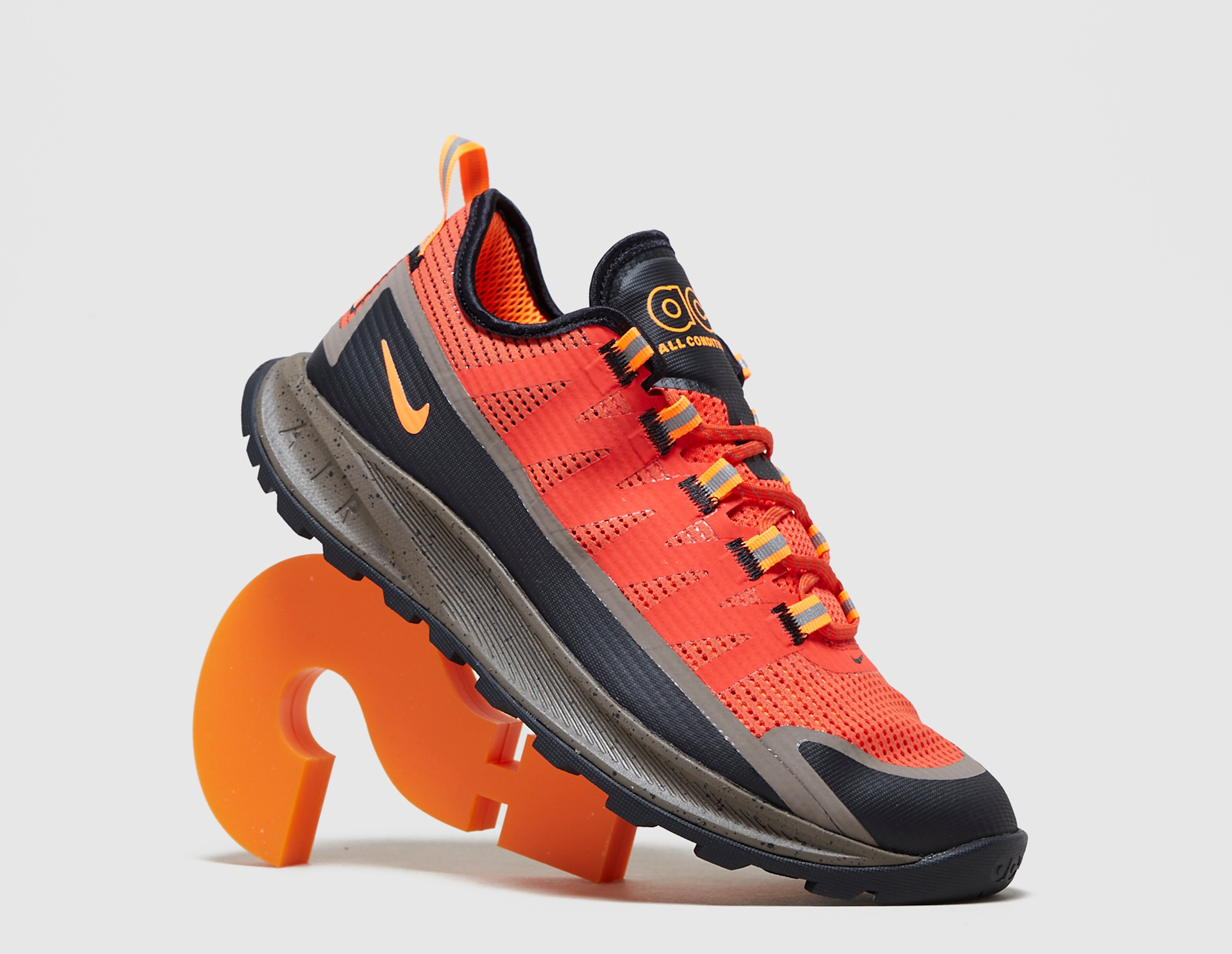 Nike ACG Air Nasu QS, rojo