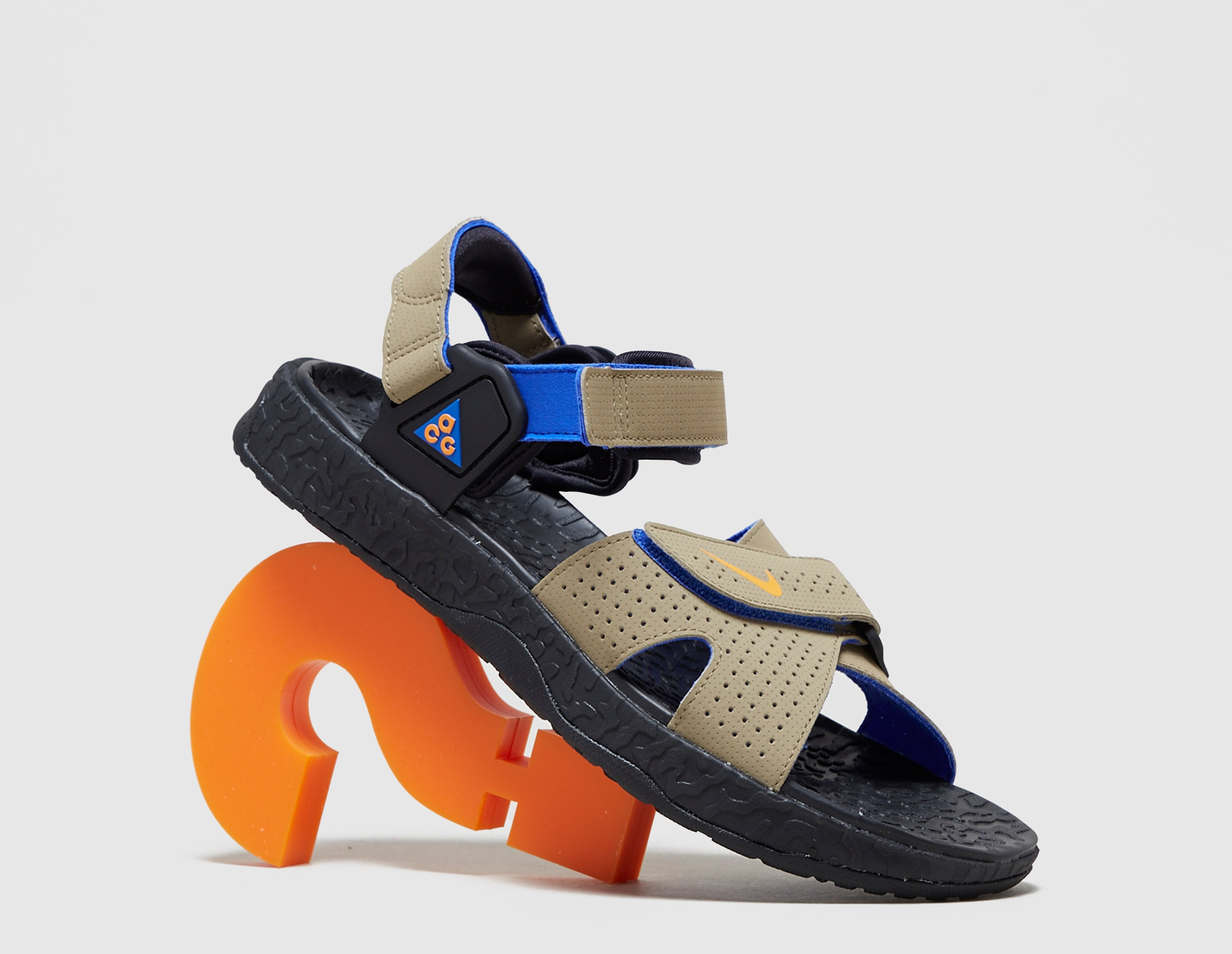 Nike ACG Deschutz Sandal QS, marrón