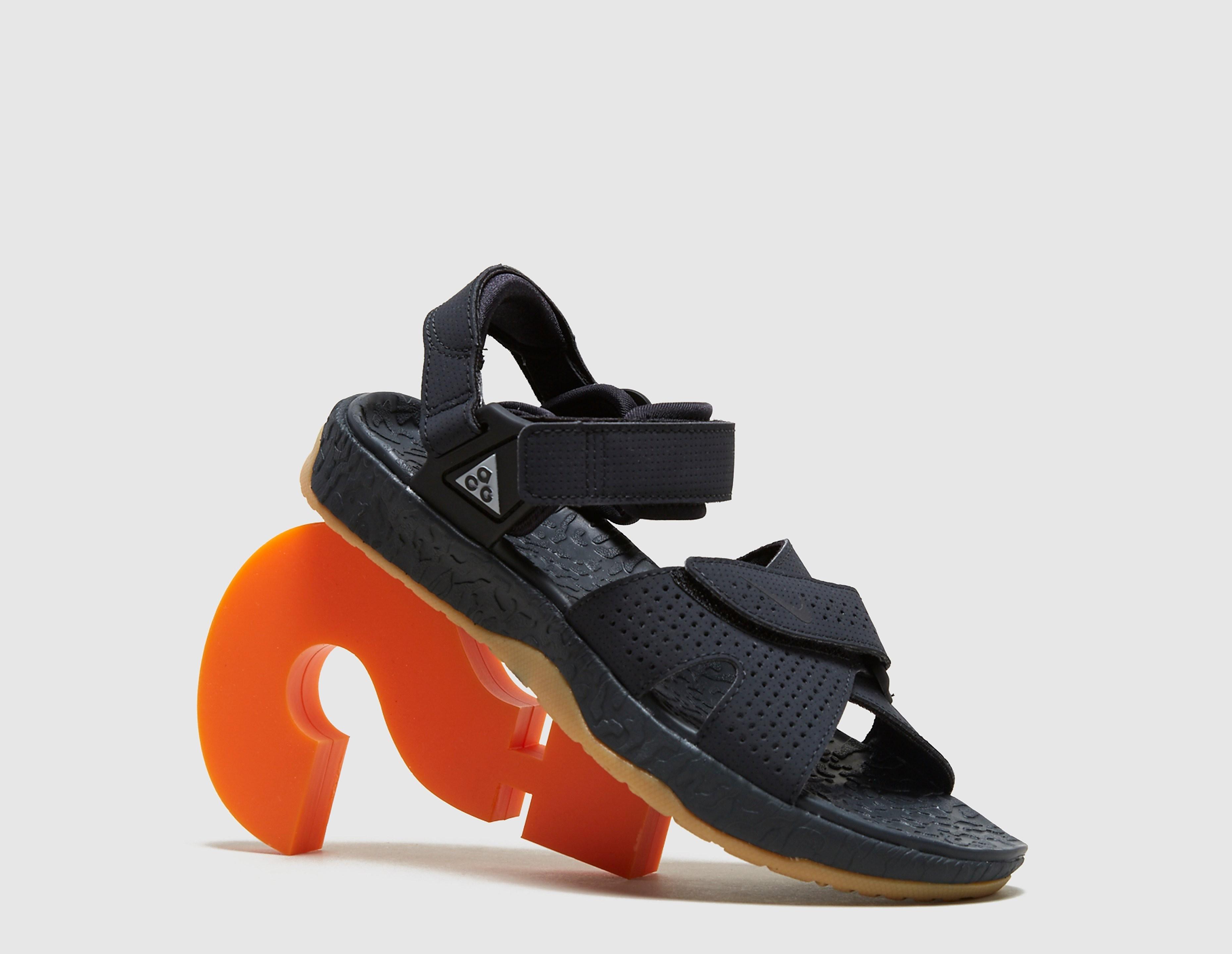 Nike ACG Deschutz Sandal QS Women's, gris