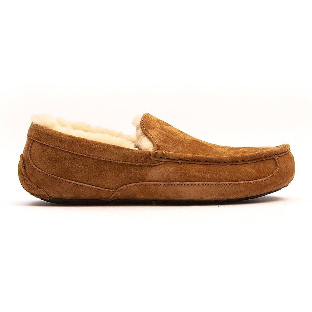 UGG Men's Ascot Sheepskin Slippers - Chestnut