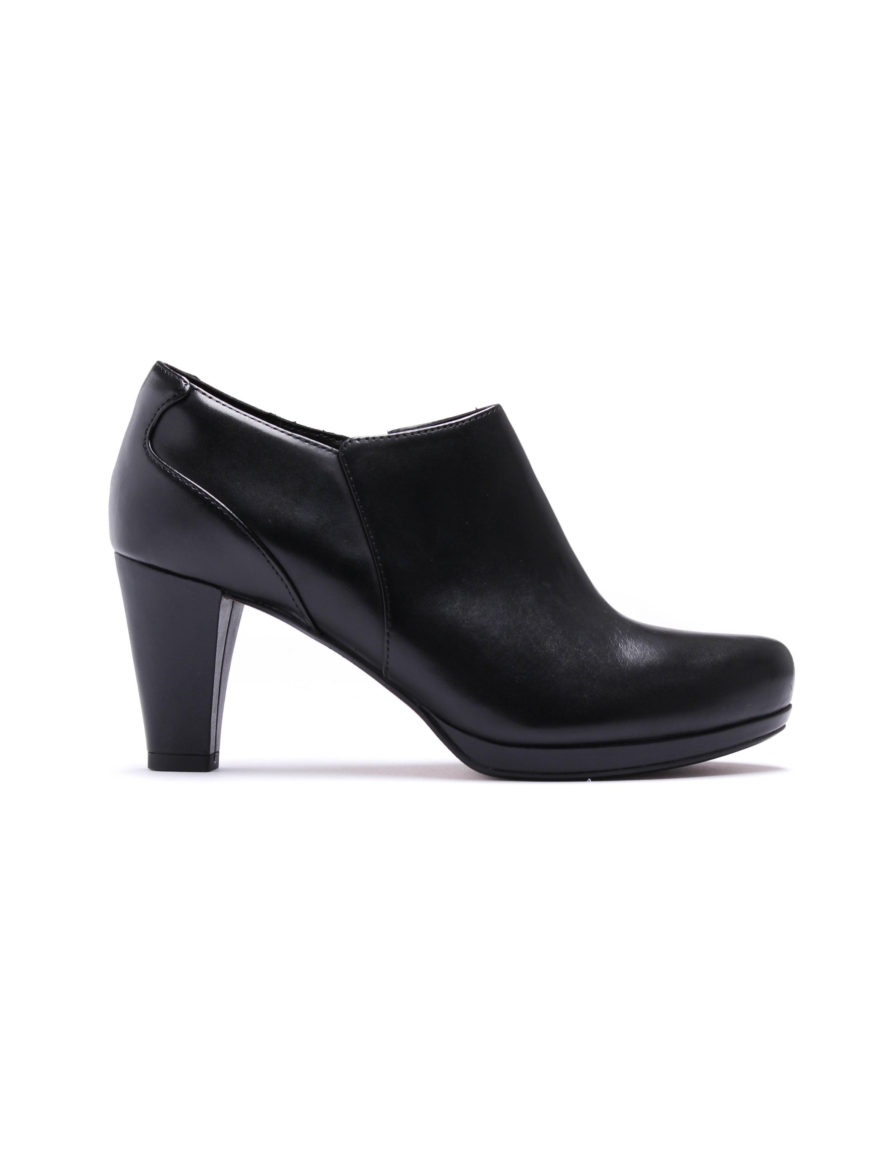 Clarks Women's Chorus True Leather Shoes - Black