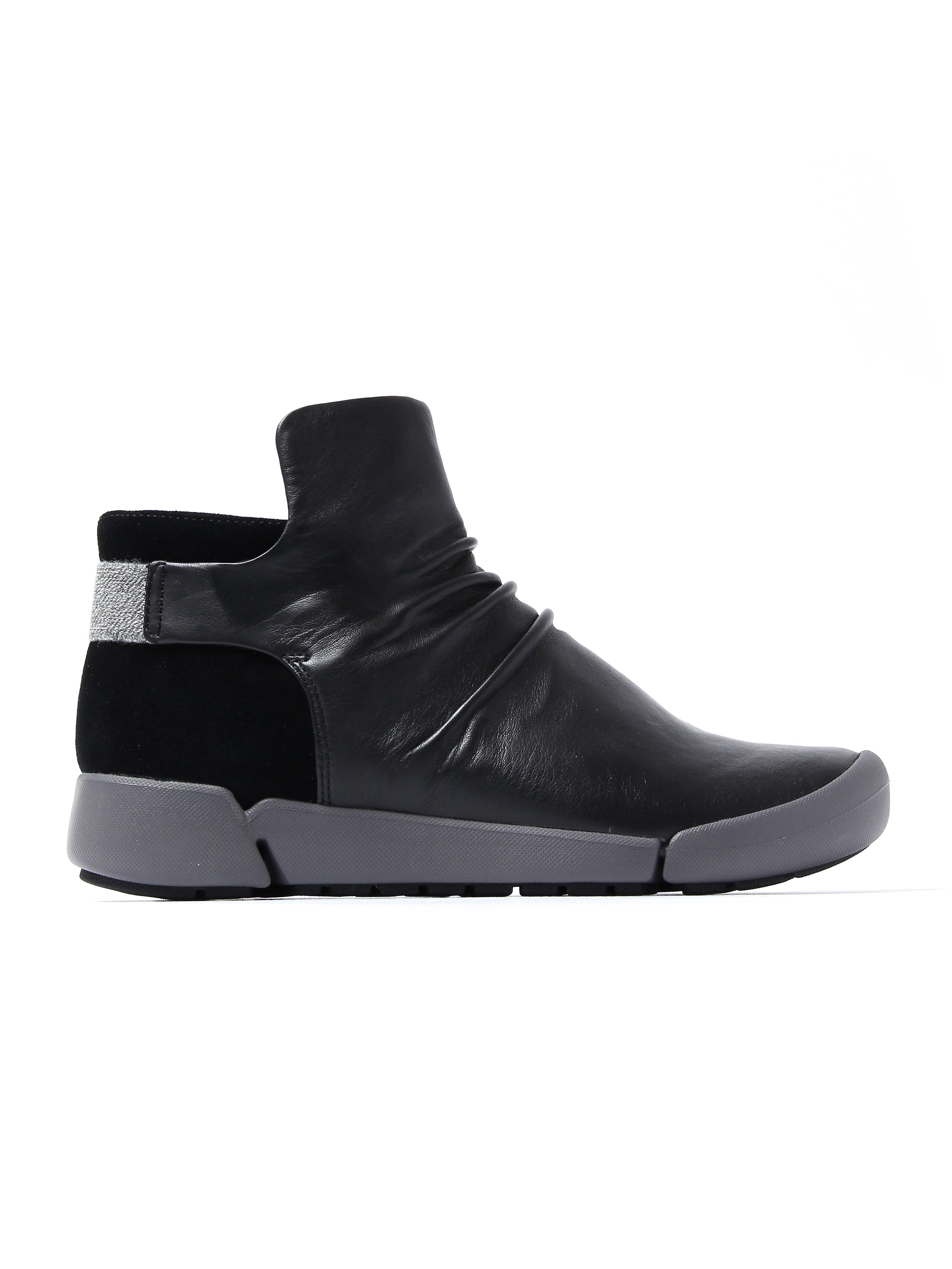 Clarks Women's Tri Pearl Ankle Boots - Black Leather