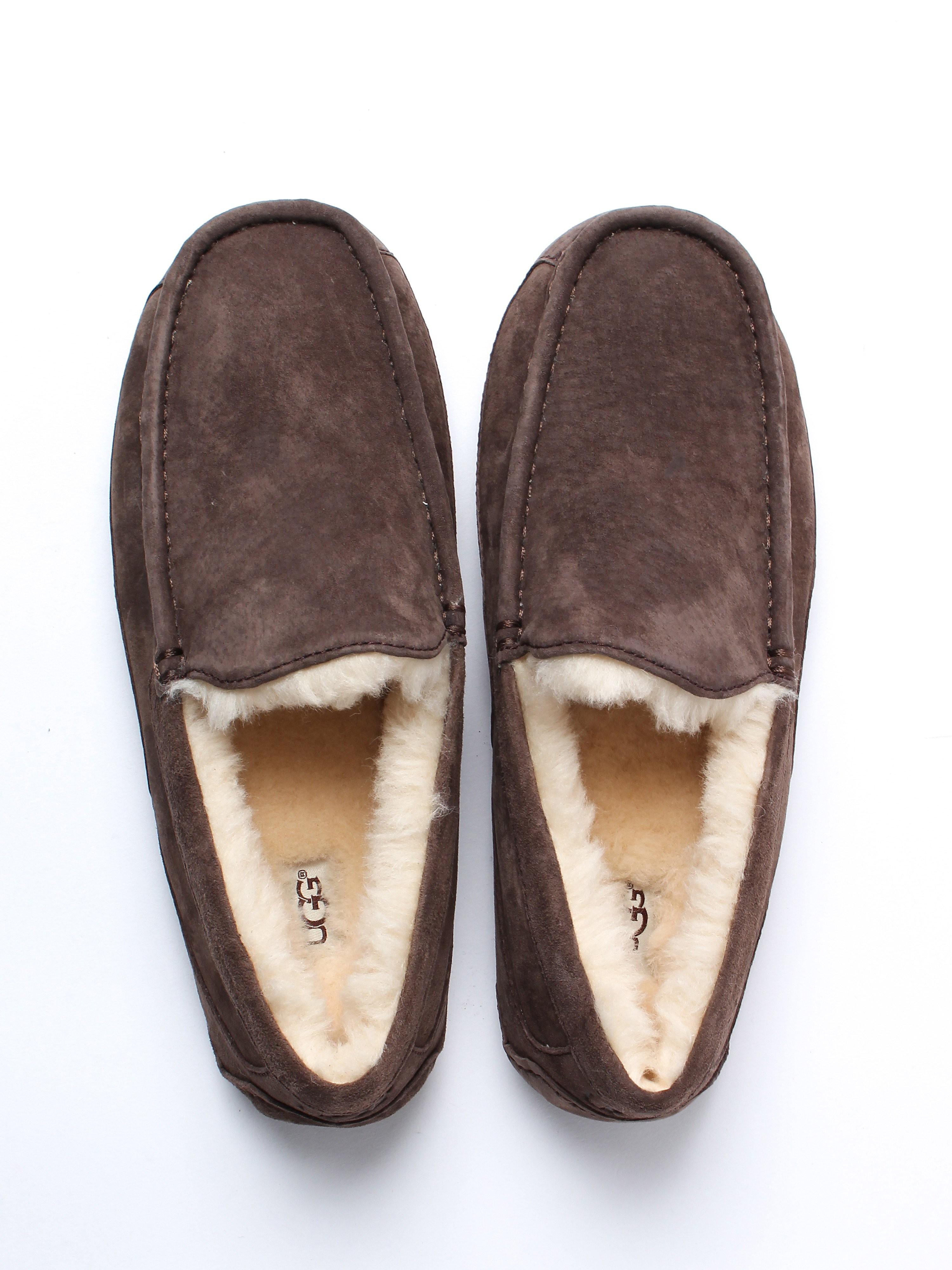 UGG Men's Ascot Sheepskin Slippers - Espresso