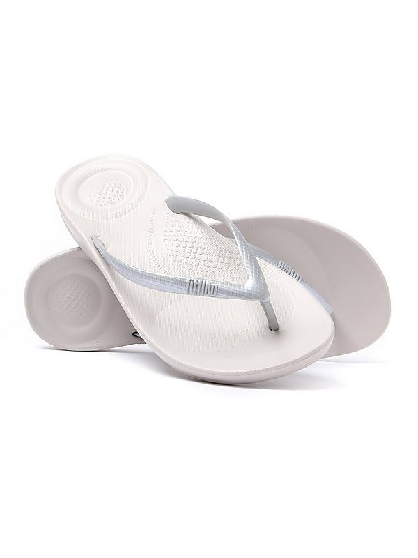 FitFlop Women's iQUSHION Ergonomic Flip Flops - Silver