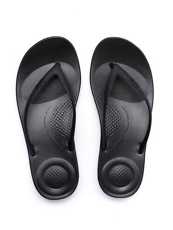 FitFlop FitFlop Women's iQUSHION Ergonomic Flip Flops - Black