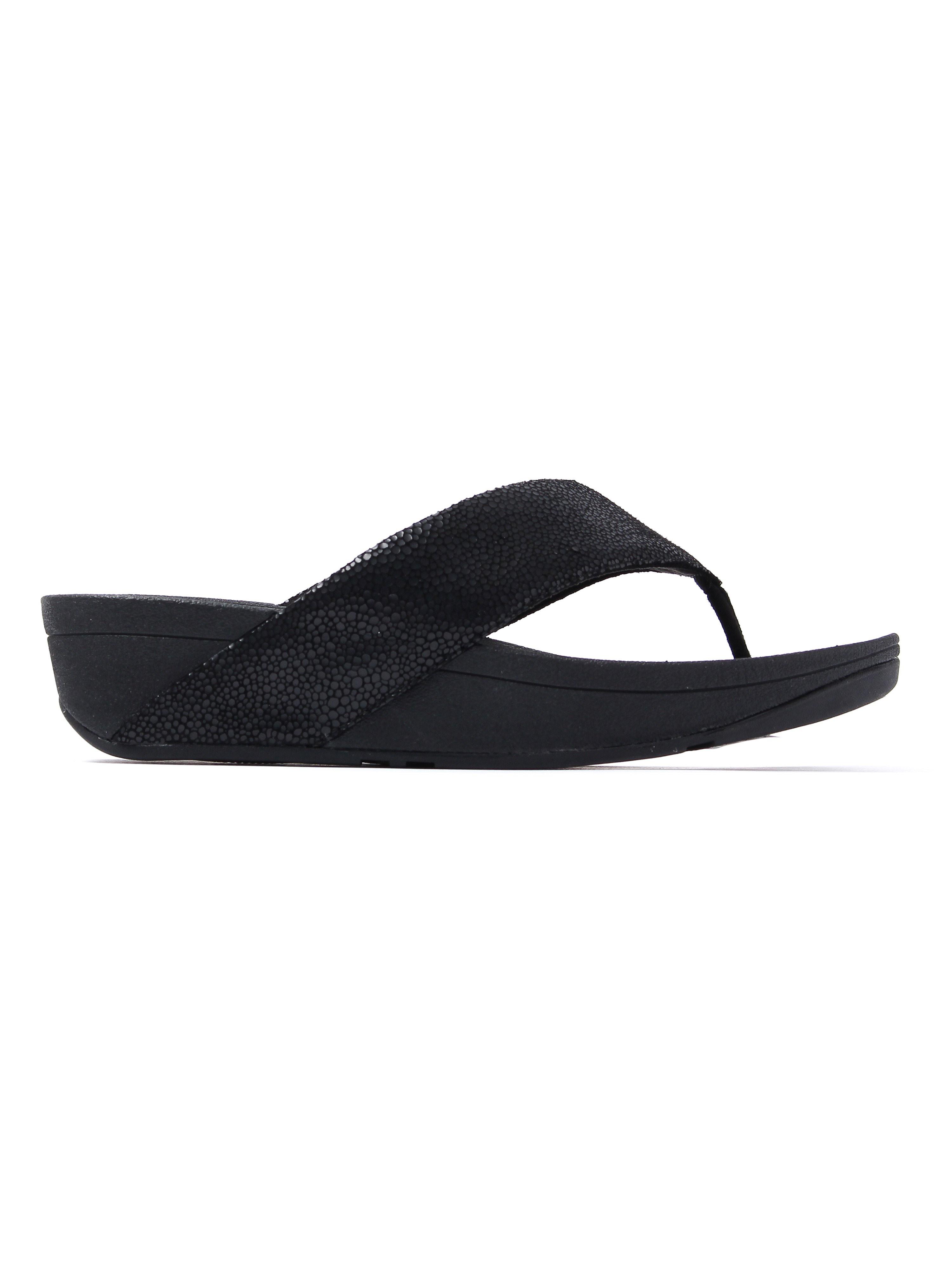 FitFlop Women's Swoop Toe Thong Sandals - Black
