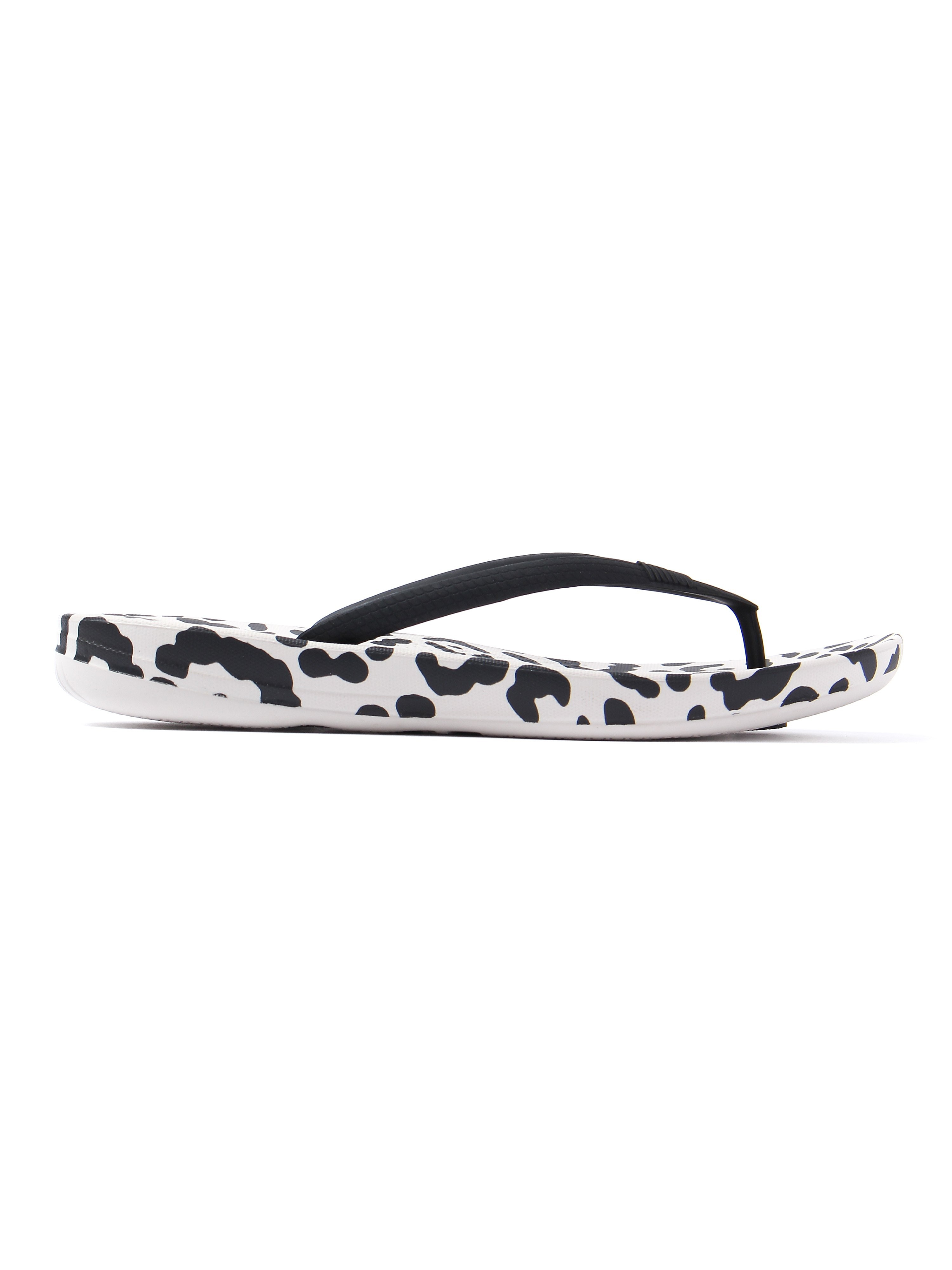 FitFlop Women's IQushion Ergonomic Flip Flops - Black Leopard Print