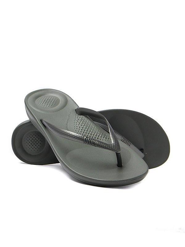 FitFlop Women's iQUSHION Ergonomic Flip Flops - Dark Olive