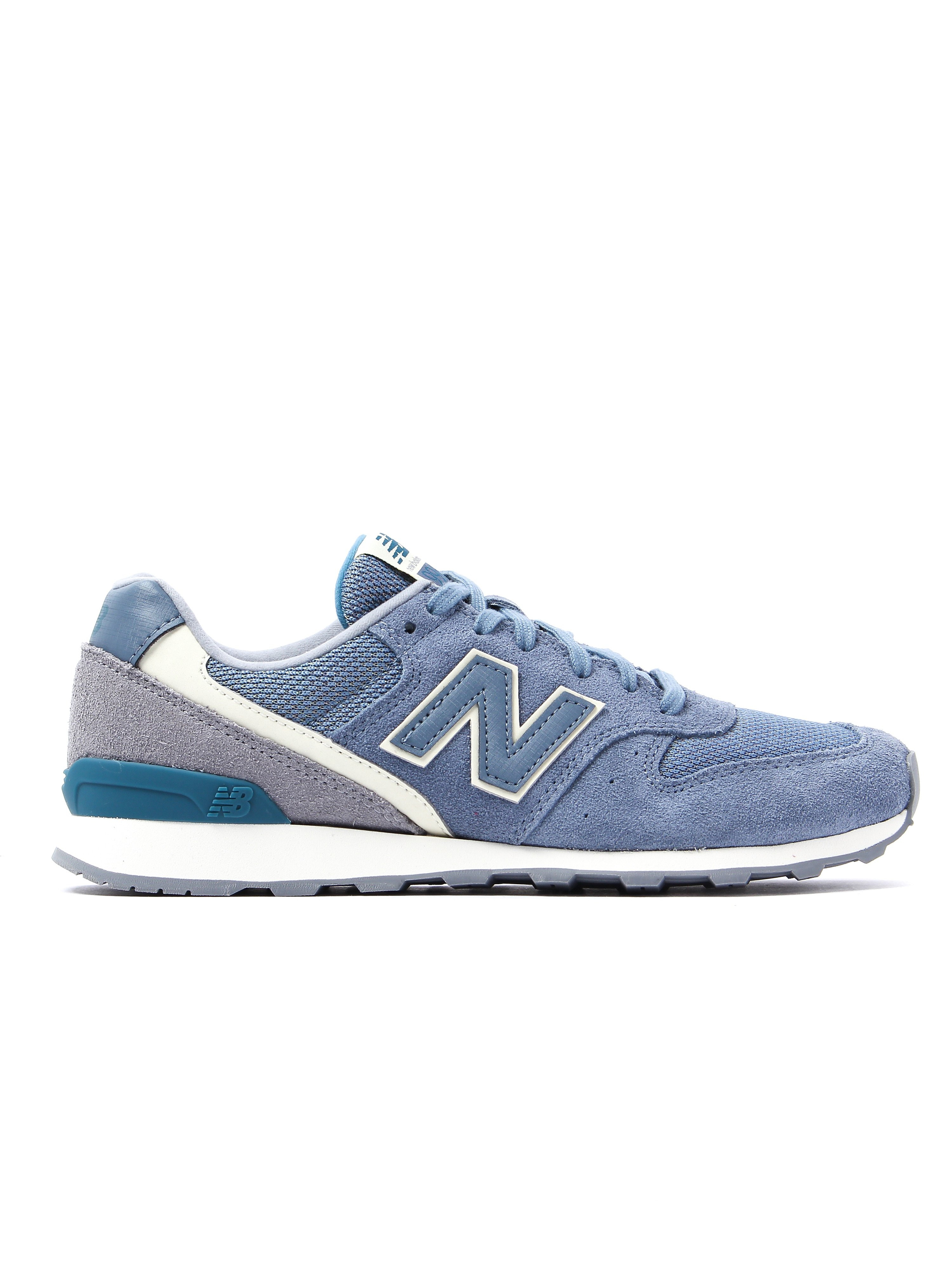 New Balance Women's 996 Low Top Trainers - Light Blue Suede