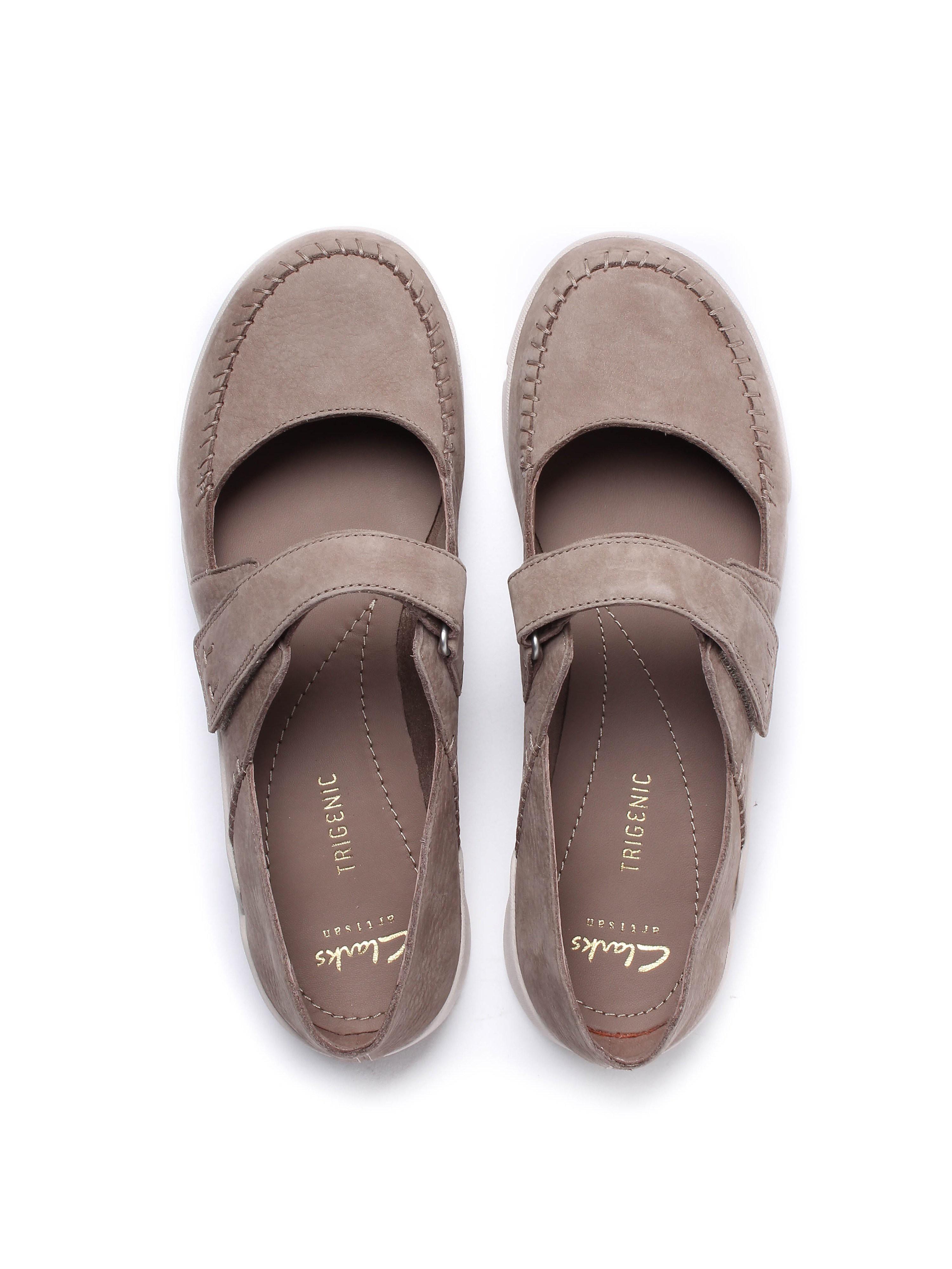 Clarks Women's Tri Amanda Nubuck Shoes - Taupe