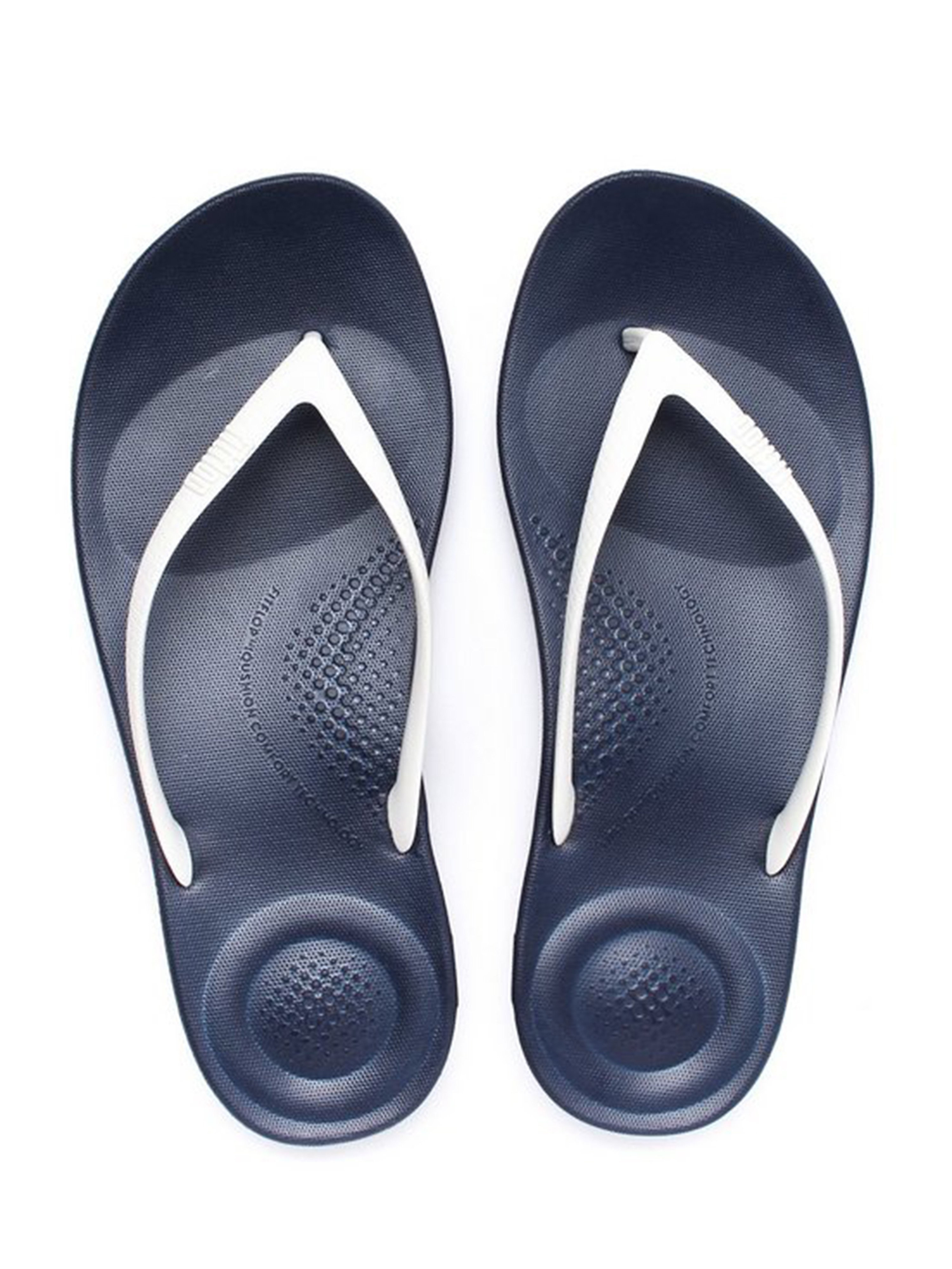 FitFlop FitFlop Women's iQUSHION Ergonomic Flip Flops - Navy/White