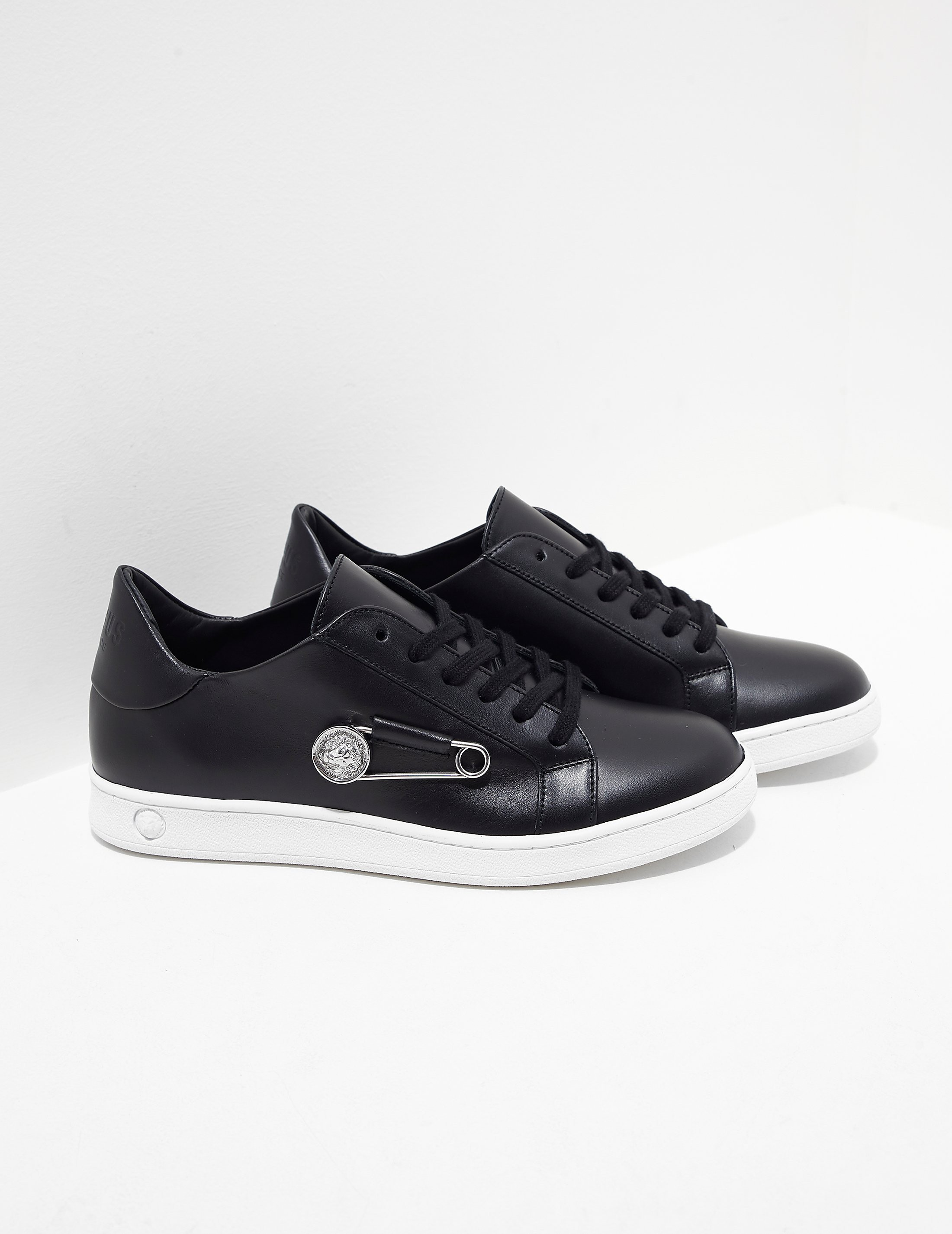 Versus Versace Lion Pin Trainer