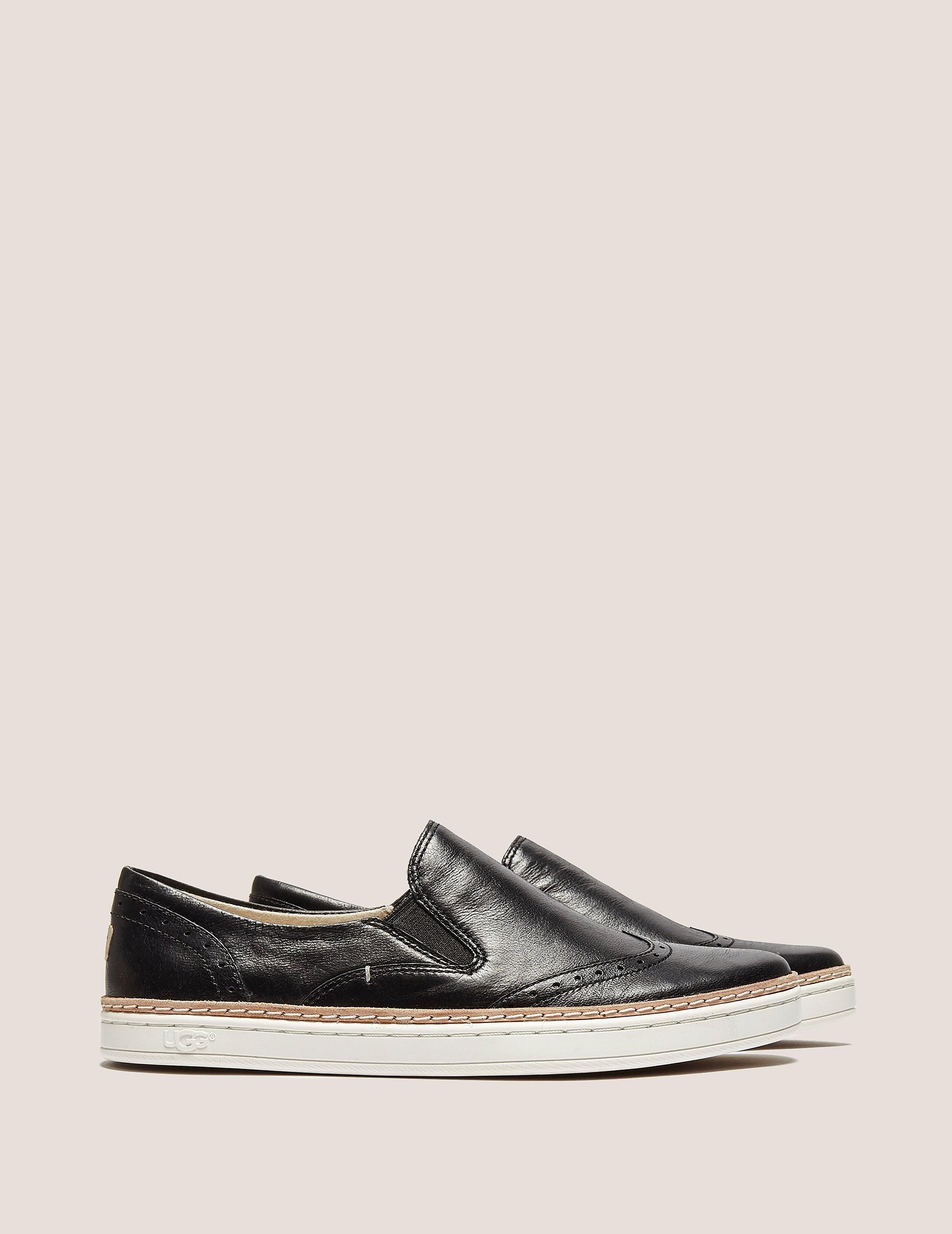 UGG Hadrea Oxford Sneaker