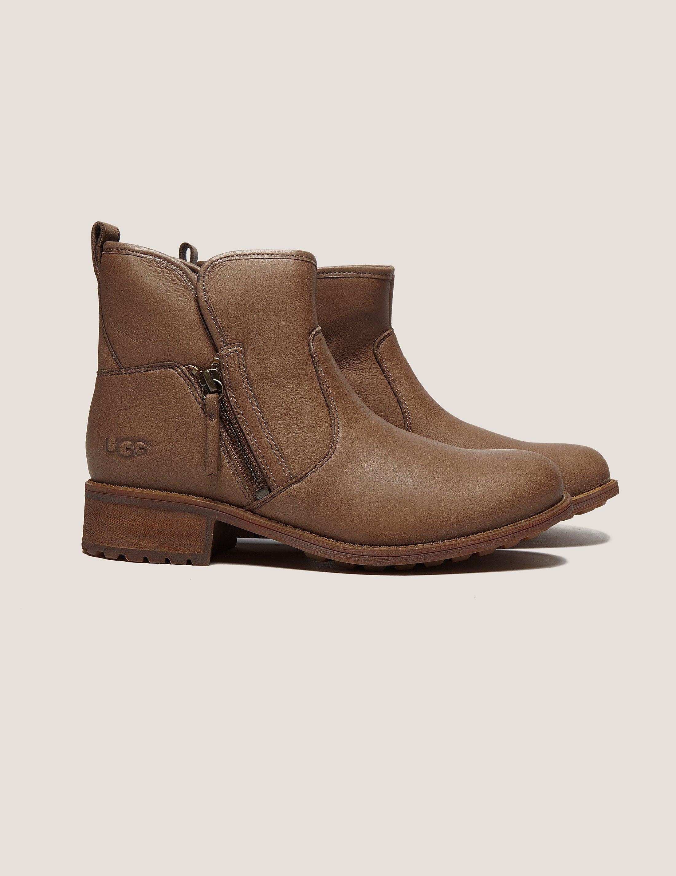 UGG Lavelle Short Boot
