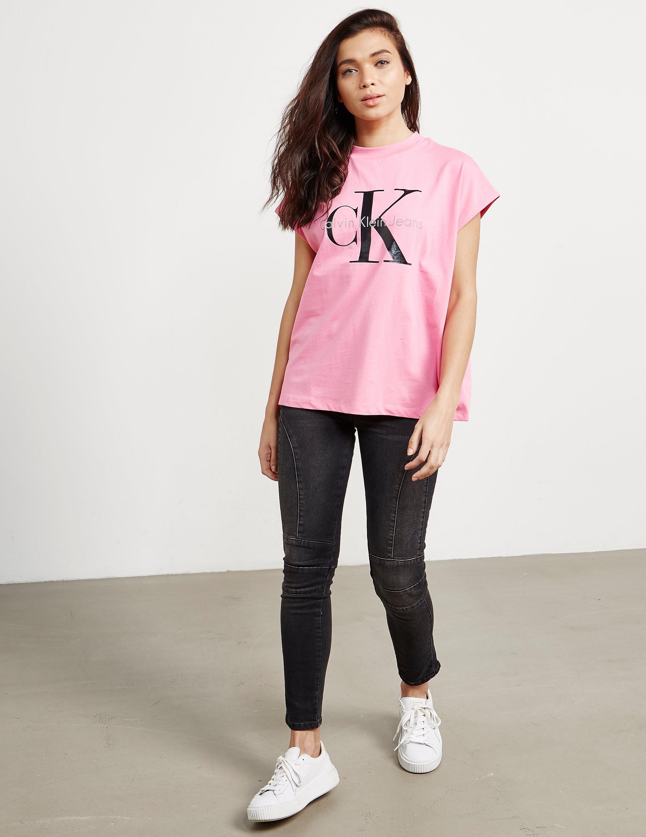 Calvin Klein Taka-5 Short Sleeve T-Shirt