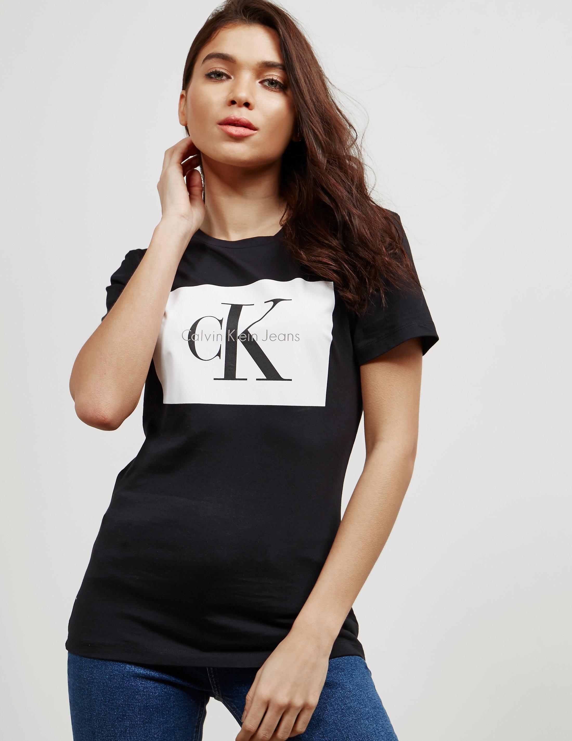 Calvin Klein Tanya-40 Square Short Sleeve T-Shirt