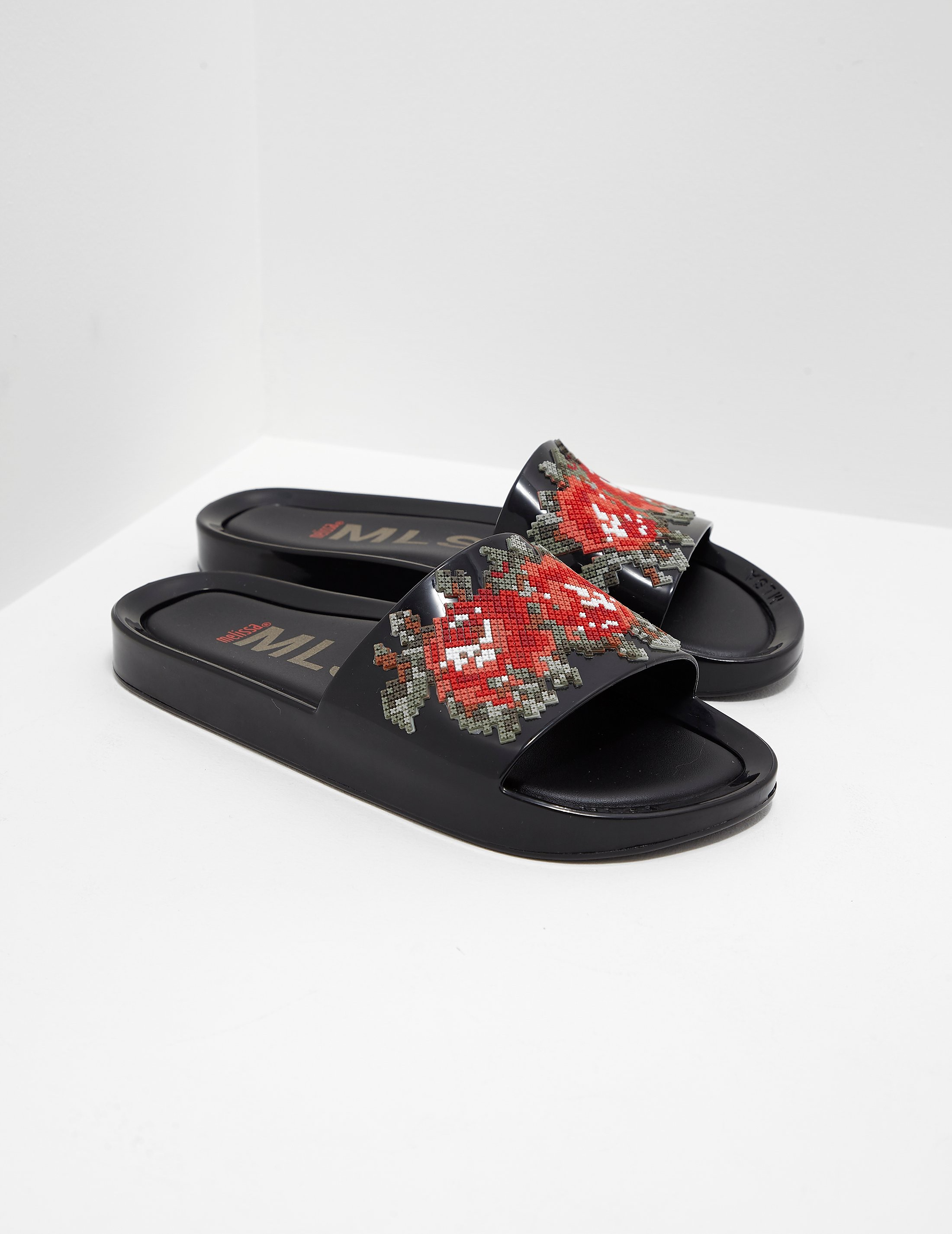 Melissa Flower Pixel Beach Slides