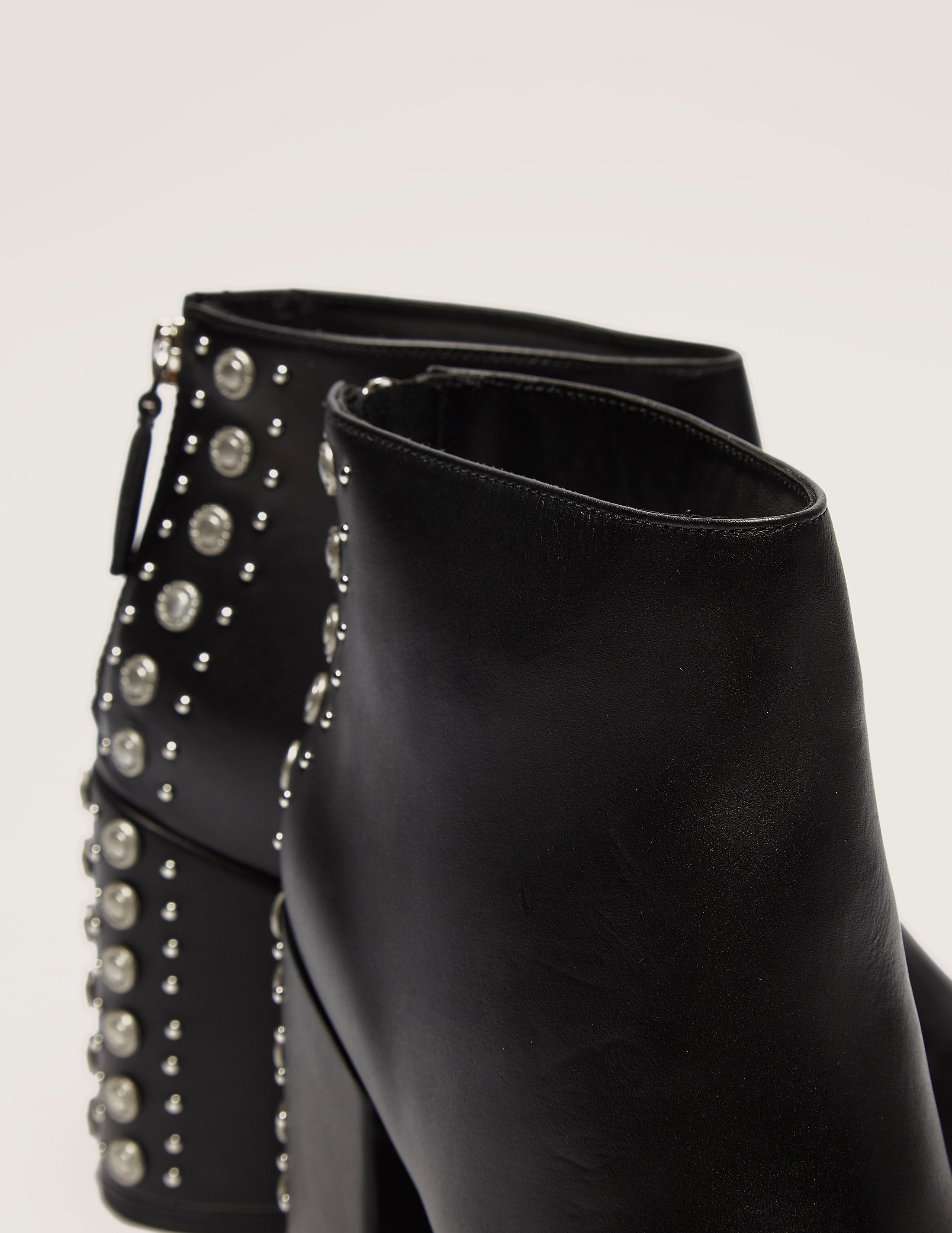 Senso Suede Stud Boot
