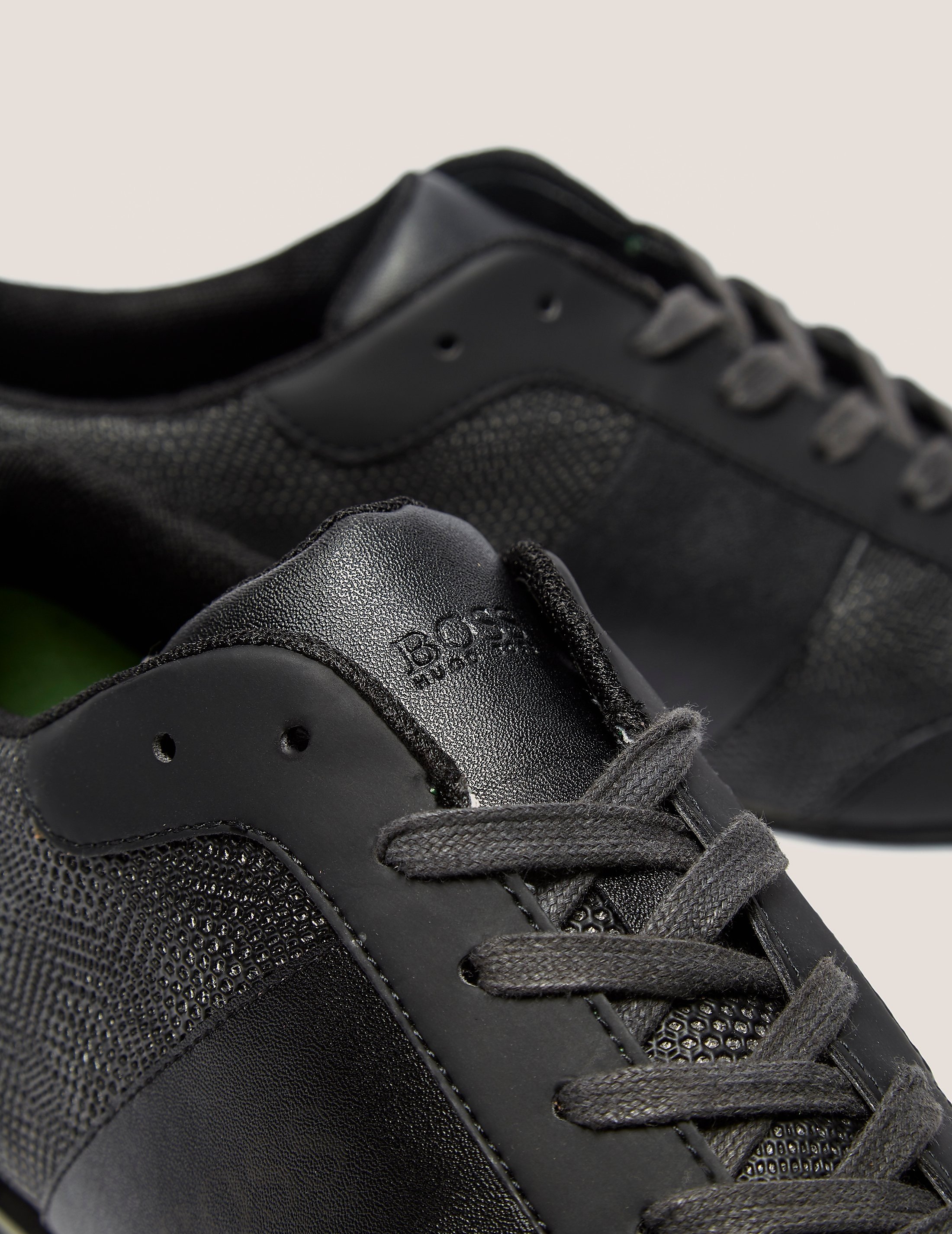 BOSS Green Infuence Trainer