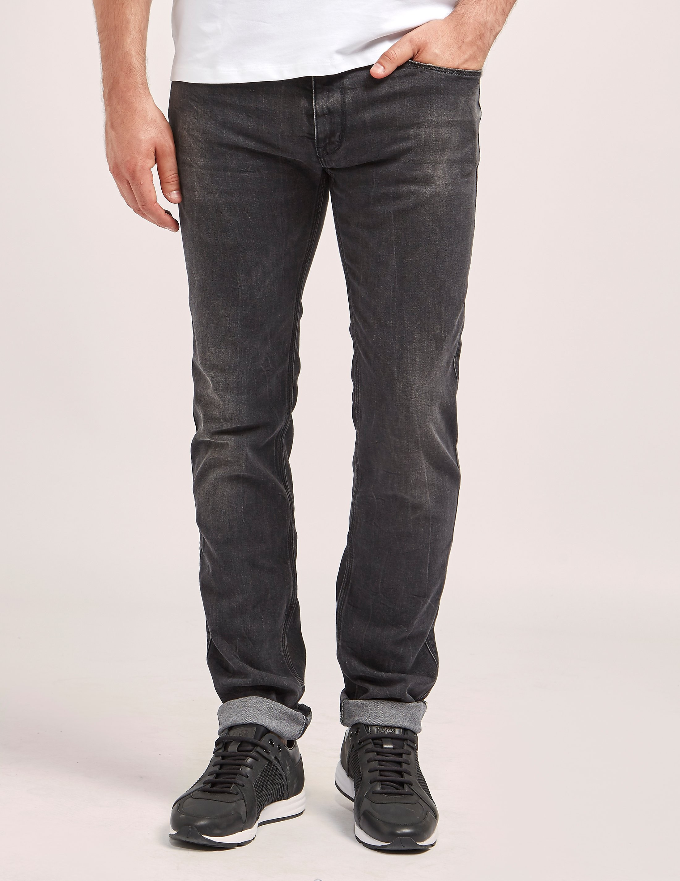 HUGO 708 Slim Fit Jeans