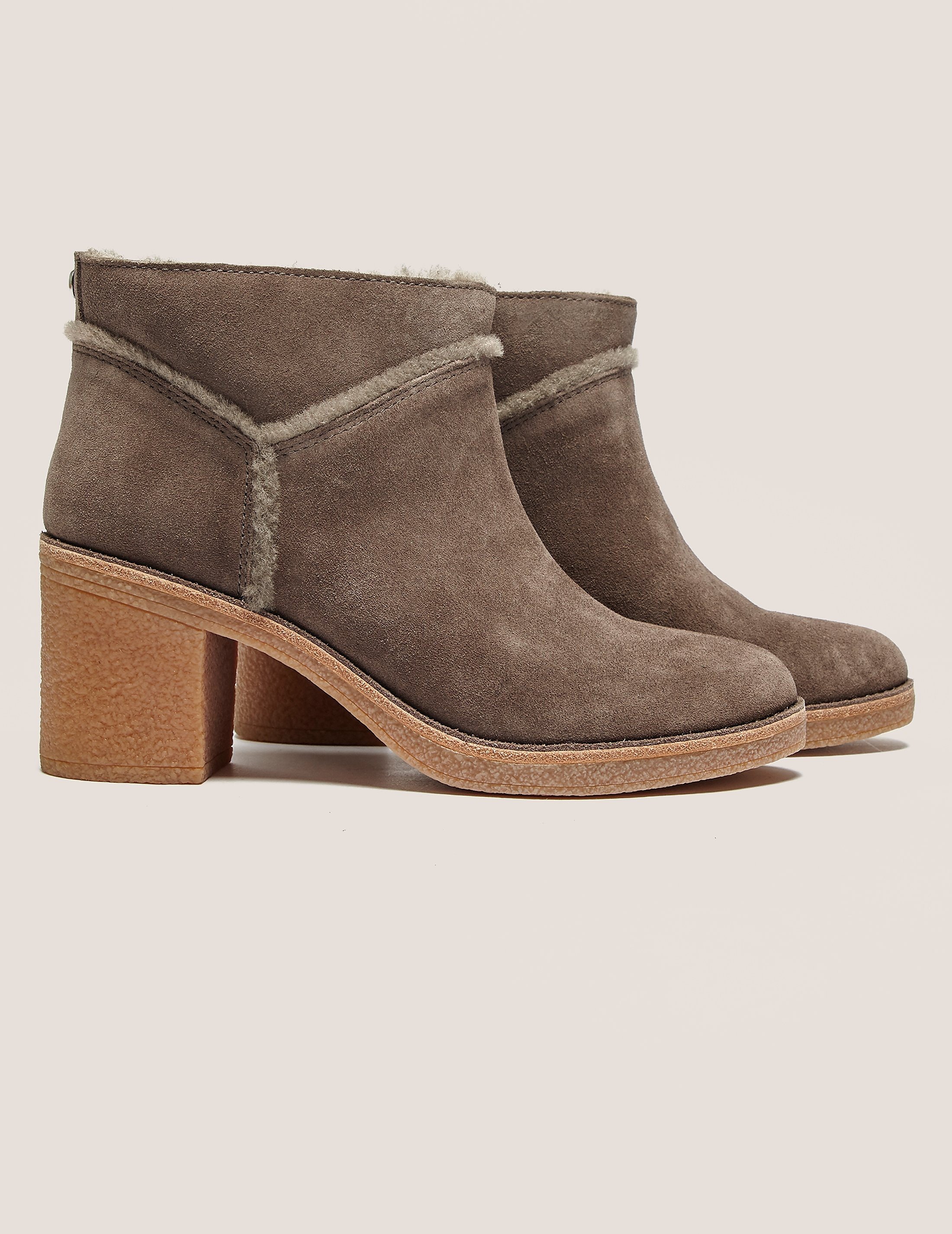 UGG Kasen Ankle Boot
