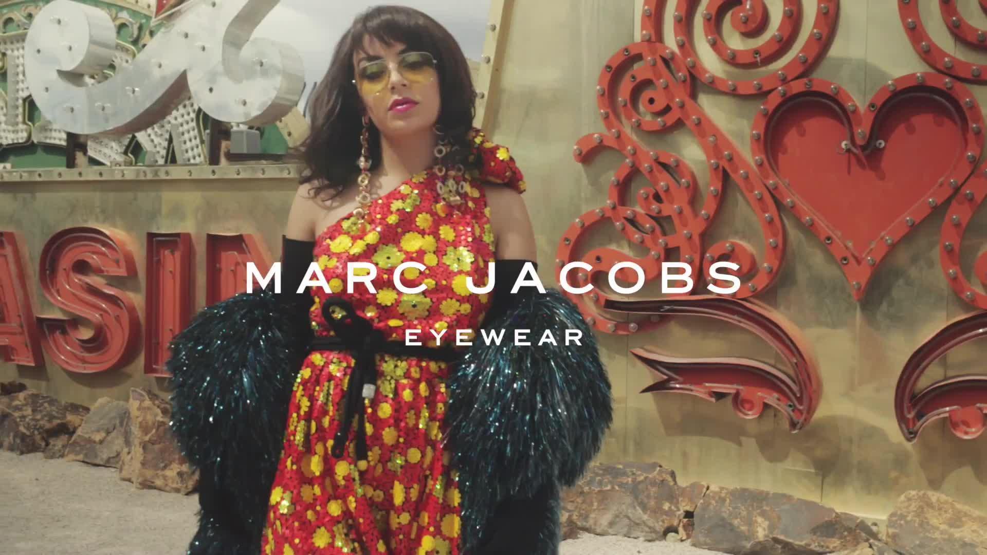 """Résultat de recherche d'images pour """"Marc jacob glasses spring 2018"""""""