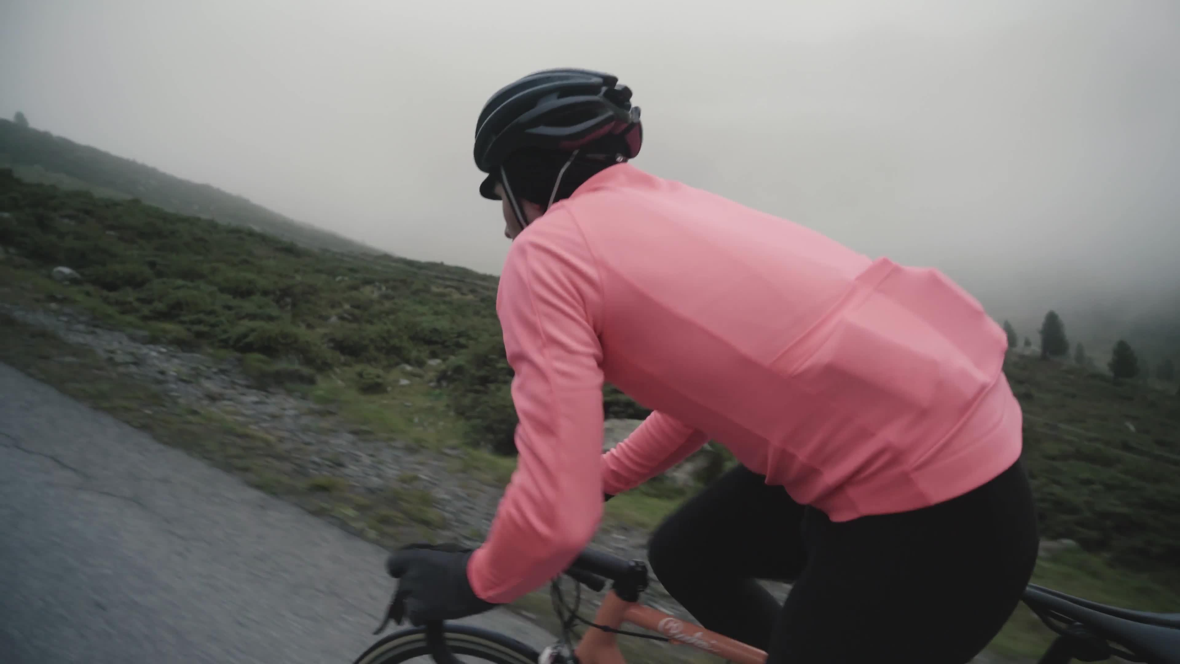 Rapha Core Winter Jacket In High-Vis Pink Size Medium Brand New With Tag
