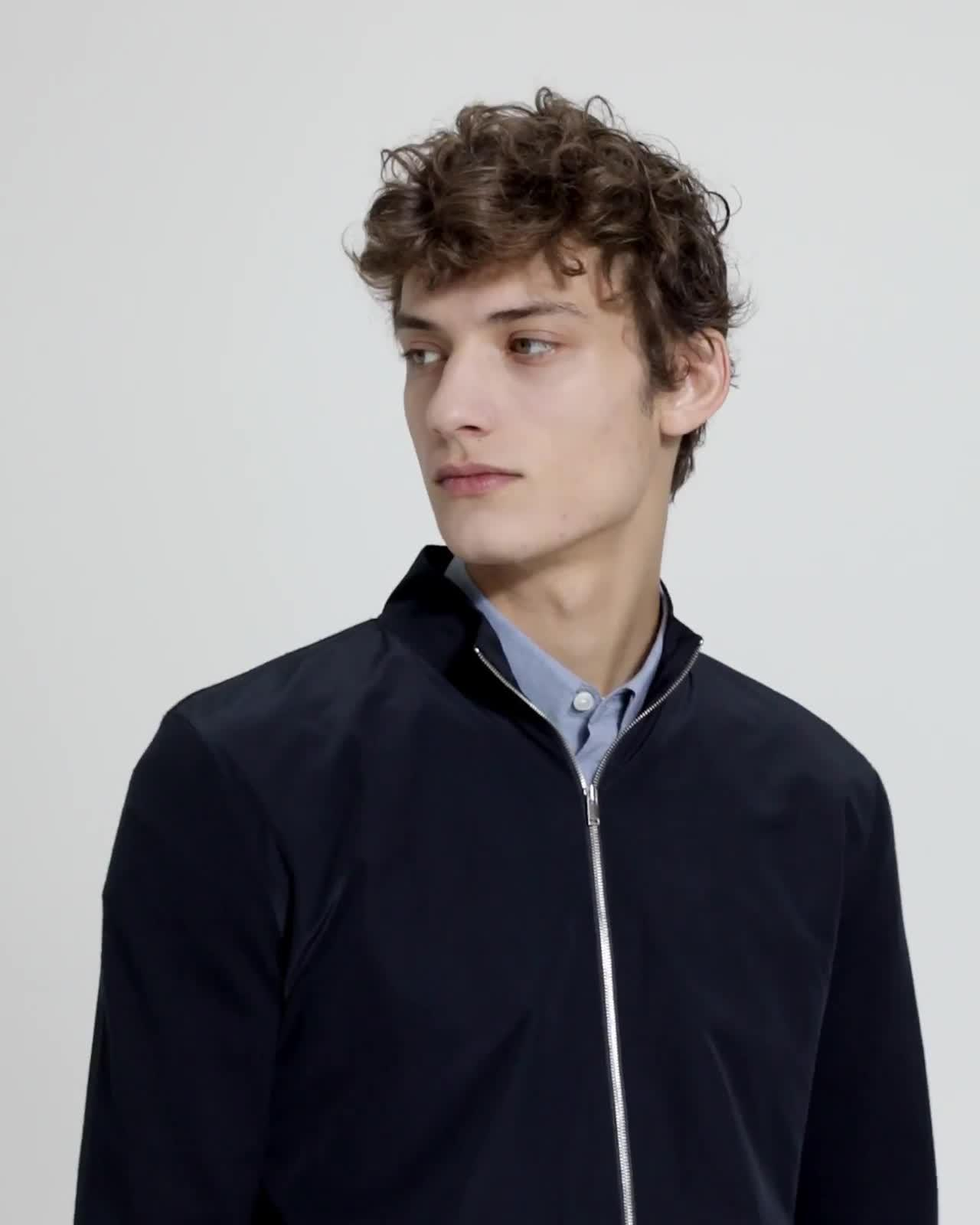 Fine Bilen Zip-Up Sweater
