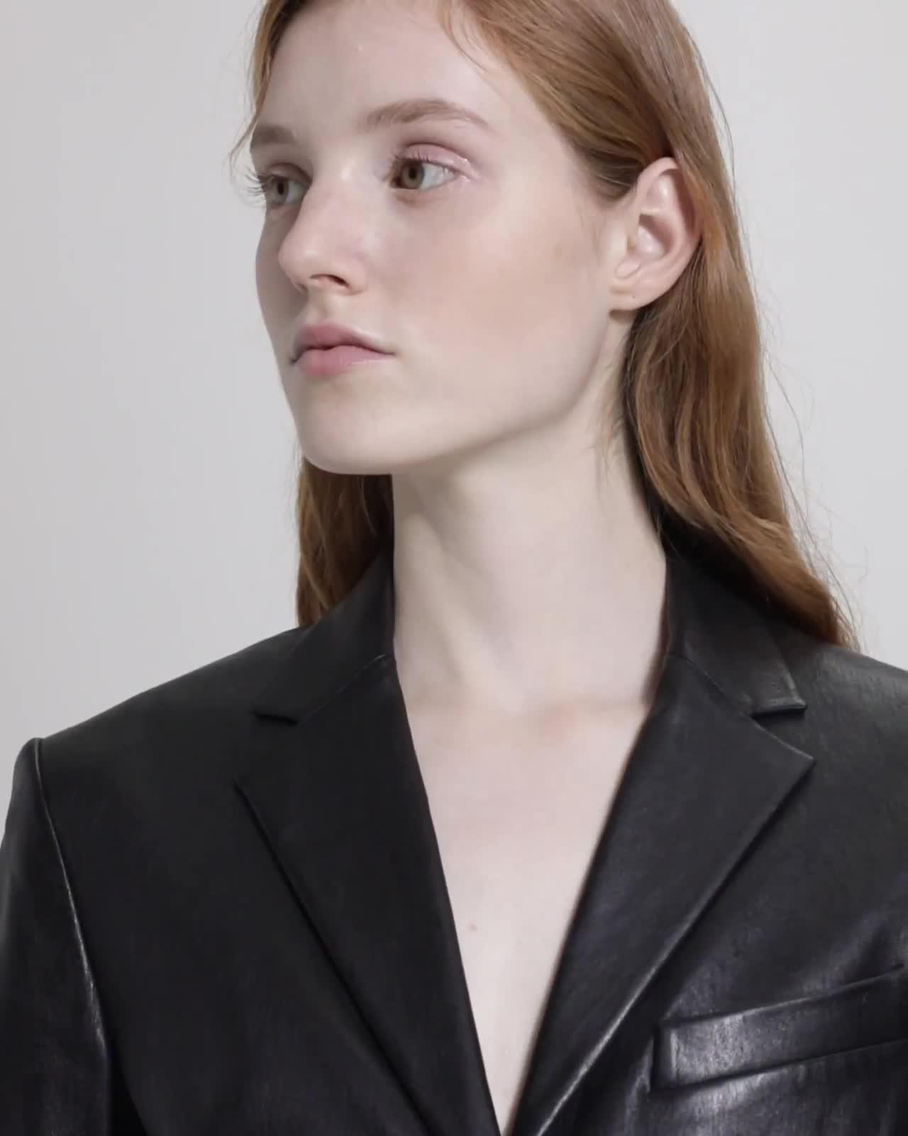 Shrunken Blazer in Leather