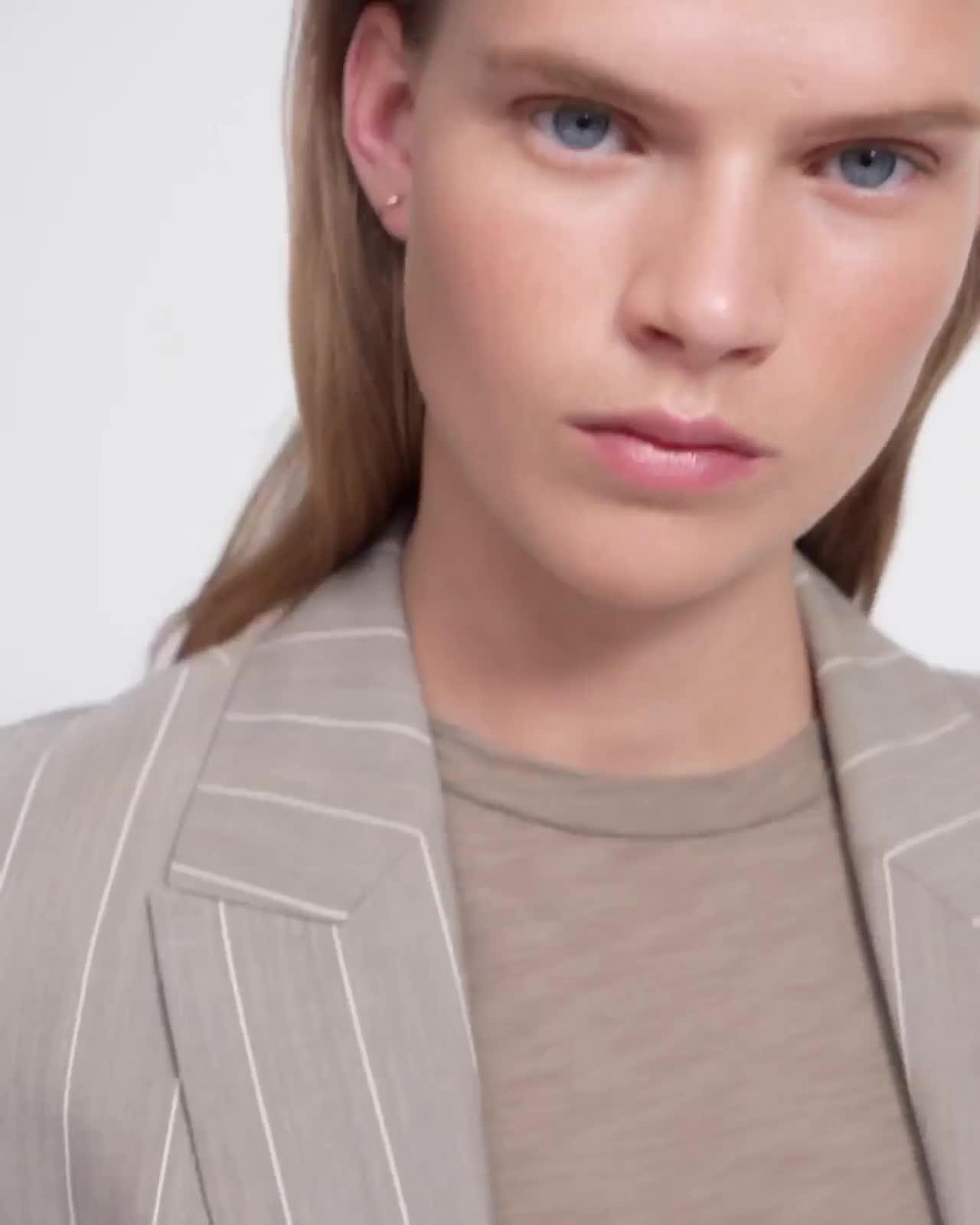 Wide Trouser in Striped Good Wool