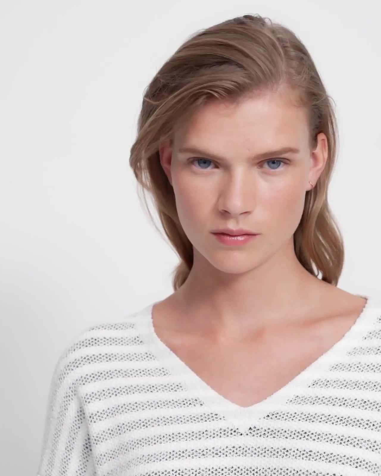 V-Neck Sweater in Striped Bouclé