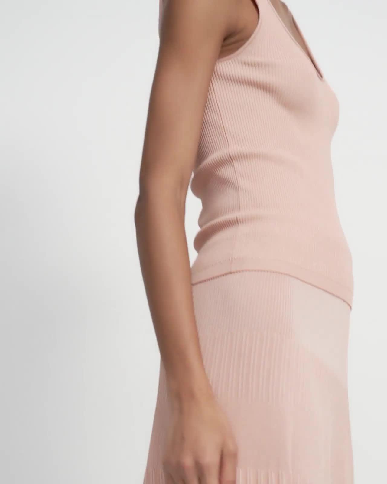 Ribbed Skirt in Pebbled Viscose
